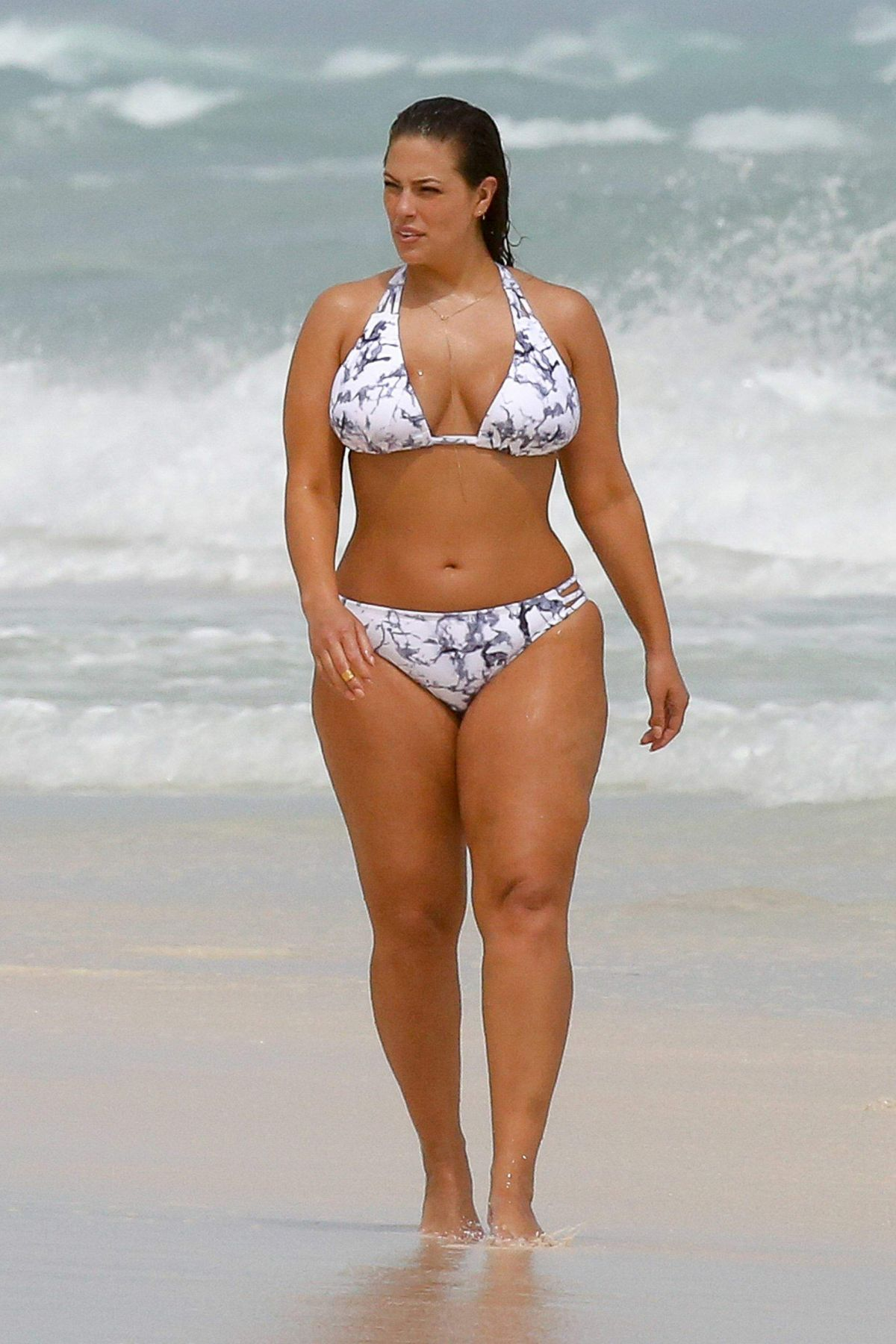 Ashley Graham Bikini Nude Photos 37
