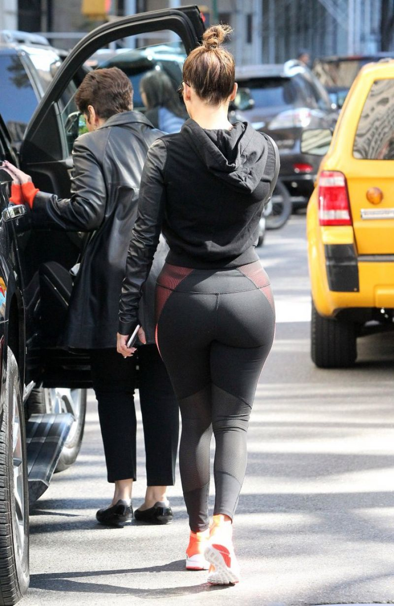 Big Ass Jennifer 32