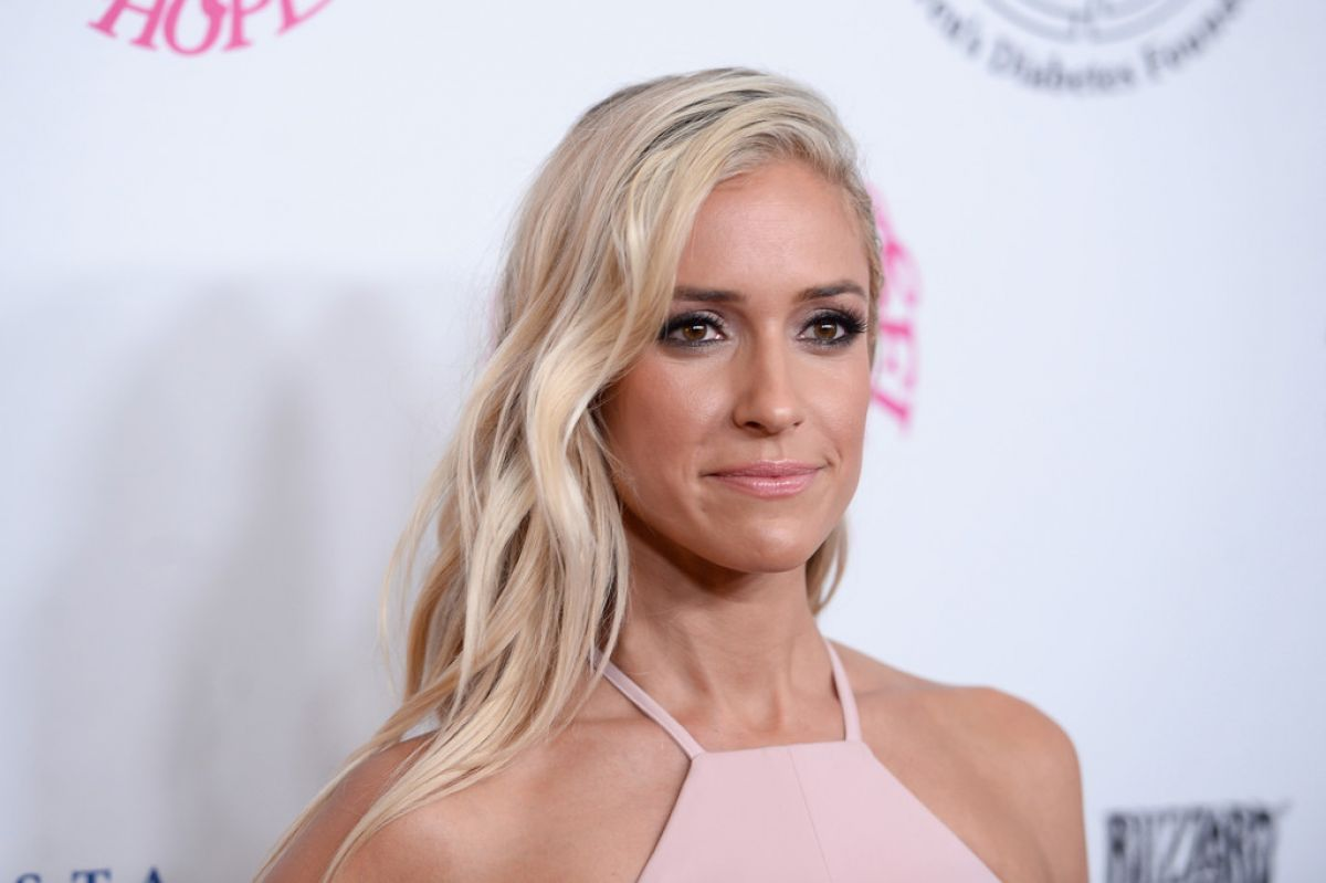 Kristin cavallari at 2016 carousel of hope ball in beverly for 2 blond salon fort lauderdale