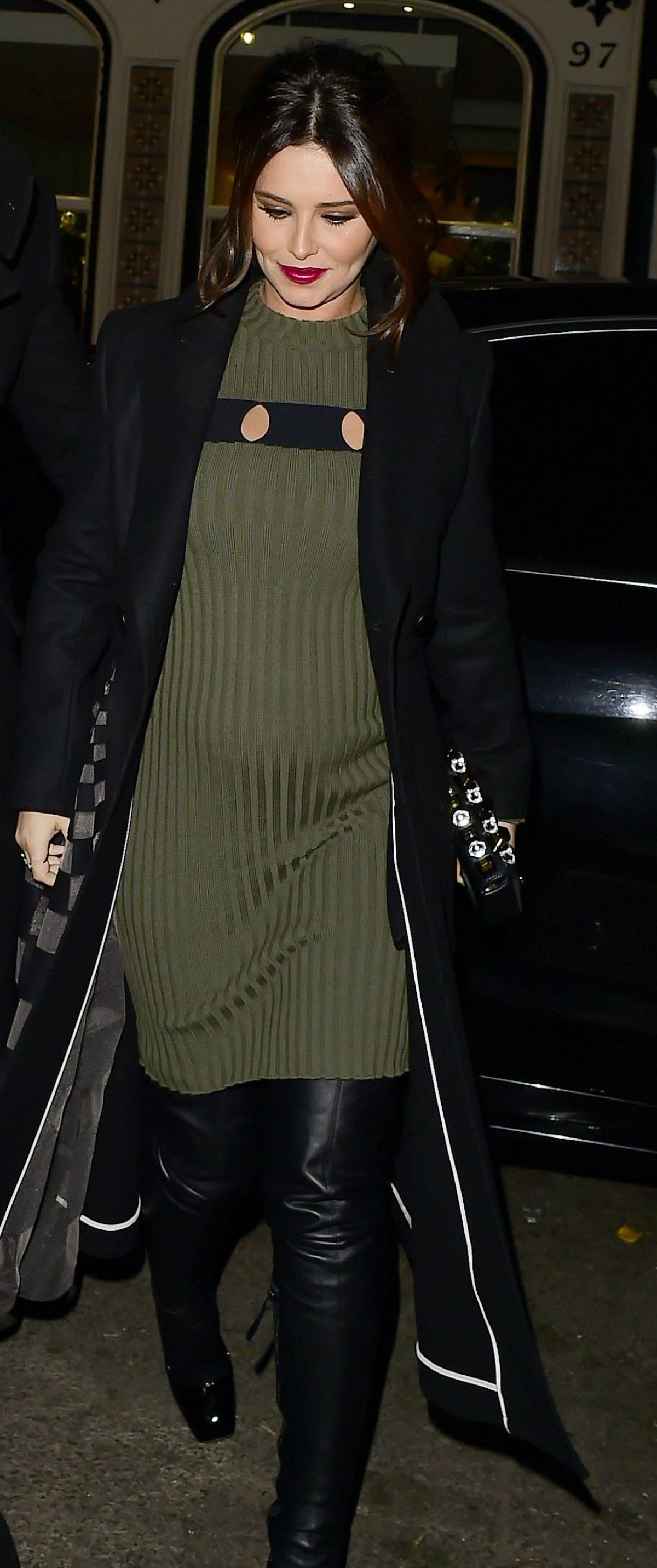Cheryl Cole At Preggers Belly In Green Knitted Dress In