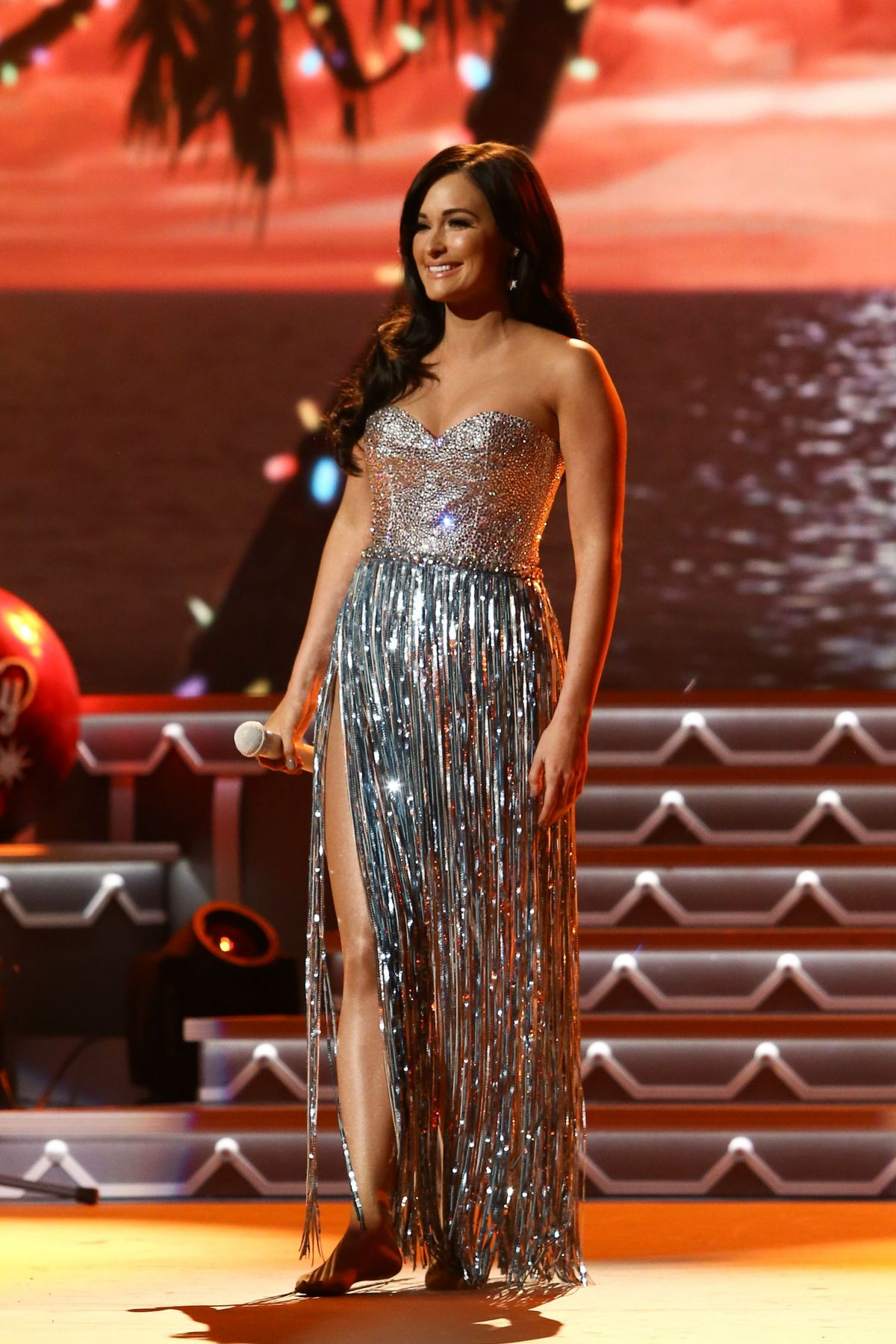 Kacey Musgraves At CMA 2016 Country Christmas in Nashville ...
