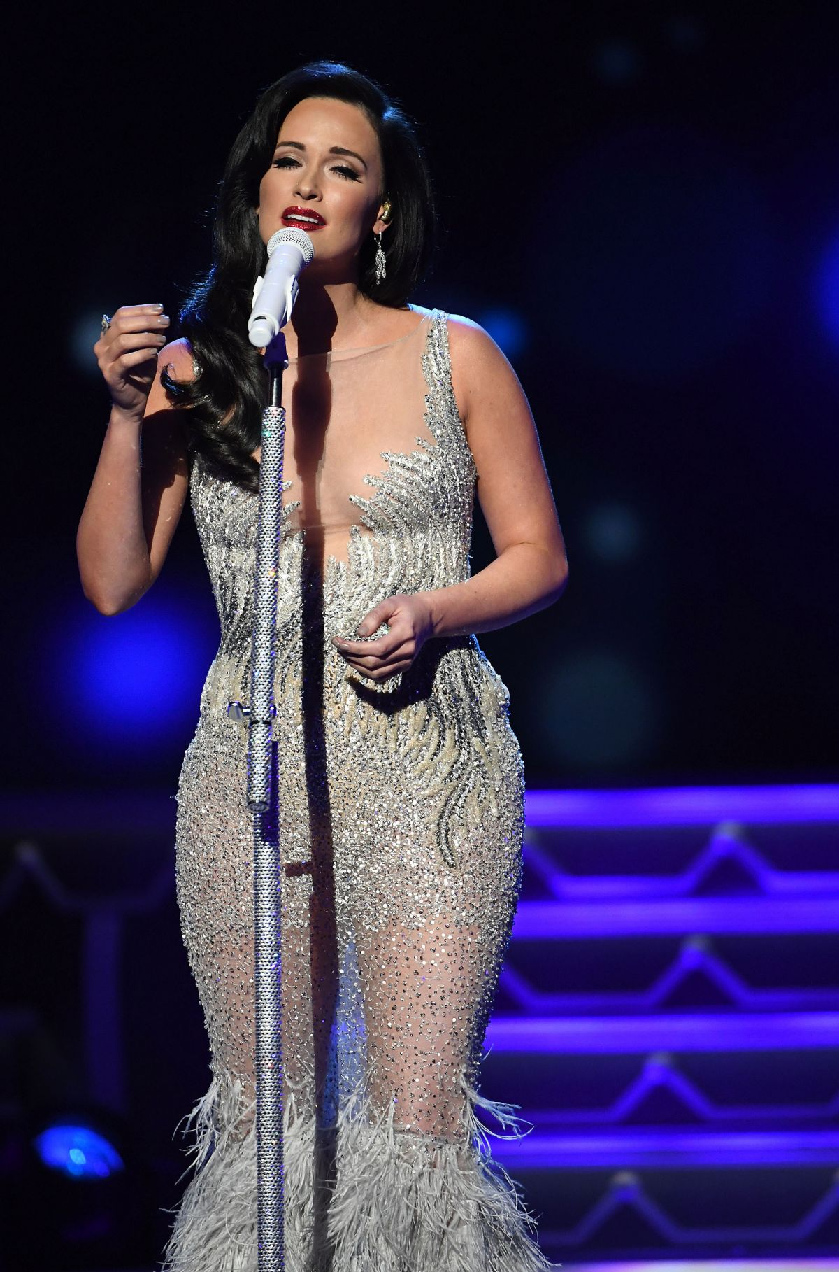 Kacey Musgraves At CMA 2016 Country Christmas in Nashville - Celebzz