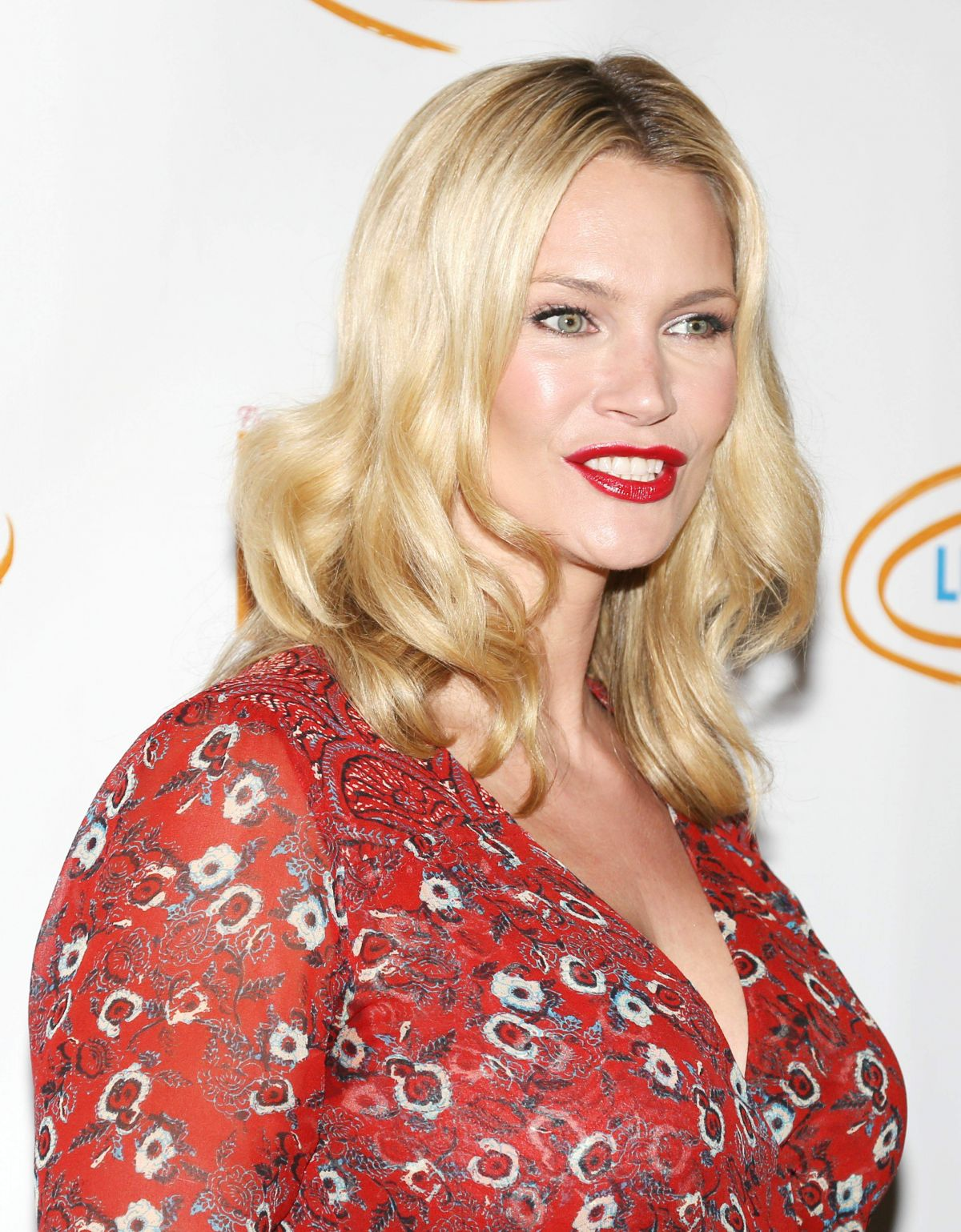 Natasha Henstridge At Hollywood Bag Ladies Luncheon ...