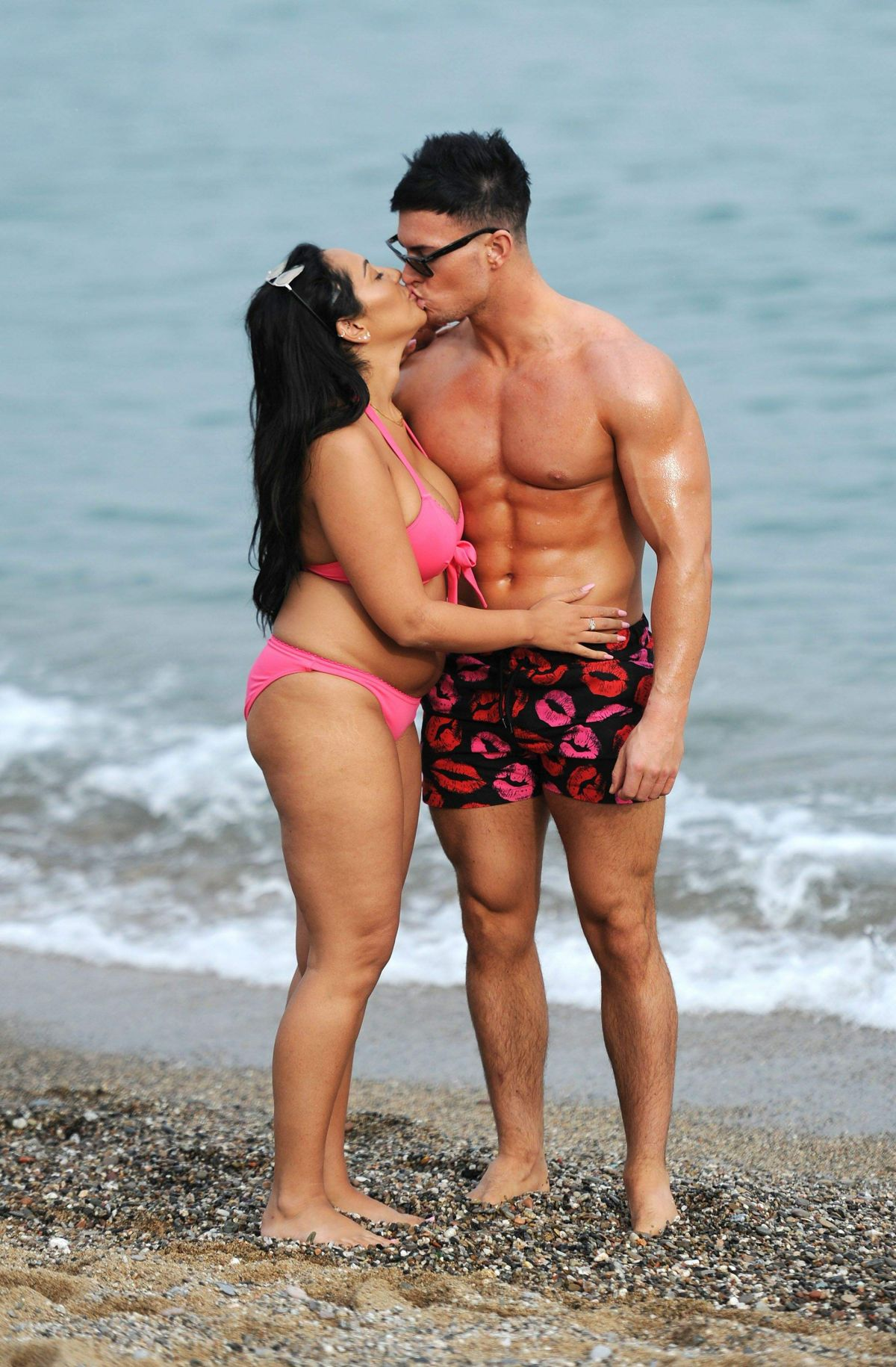 Sophie Kasaei in Pink Bikini on the beach in Lanzarote Pic 7 of 35