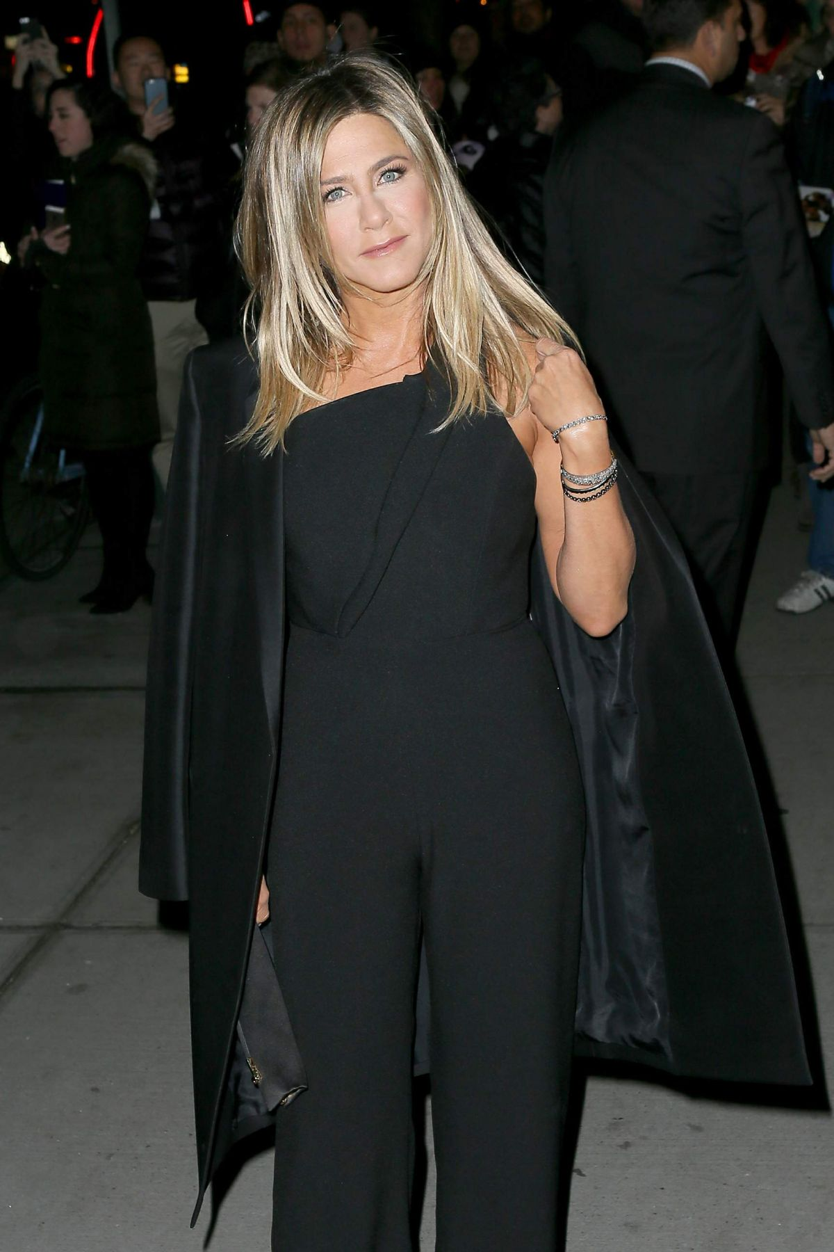 Jennifer Aniston Seen at 'Office Christmas Party' at Landmark Sunshine Cinema, NY   jennifer-aniston-seen-at-office-christmas-party-at-landmark-sunshine-cinema-ny_10