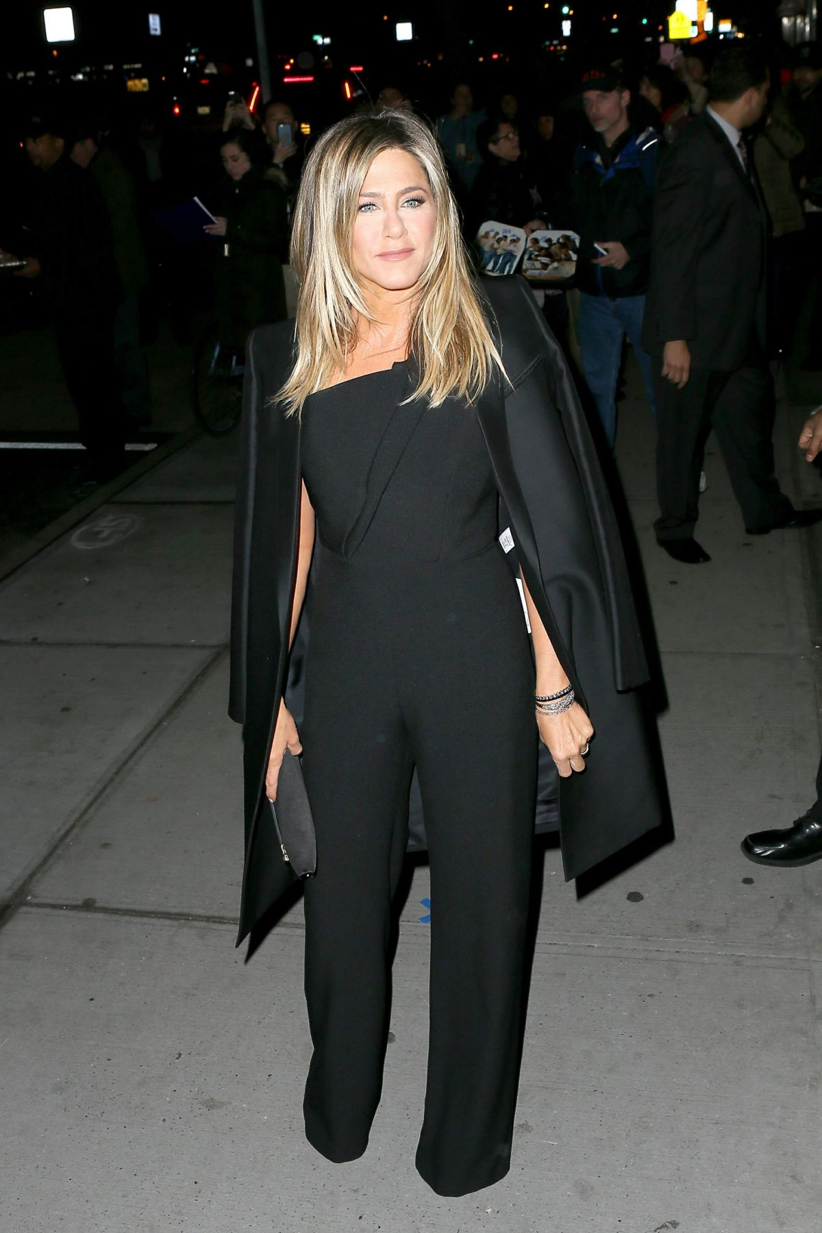Jennifer Aniston Seen at 'Office Christmas Party' at Landmark Sunshine Cinema, NY   jennifer-aniston-seen-at-office-christmas-party-at-landmark-sunshine-cinema-ny_6