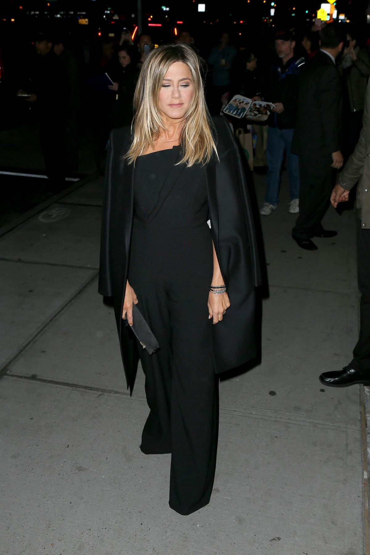 Jennifer Aniston Seen at 'Office Christmas Party' at Landmark Sunshine Cinema, NY   jennifer-aniston-seen-at-office-christmas-party-at-landmark-sunshine-cinema-ny_7