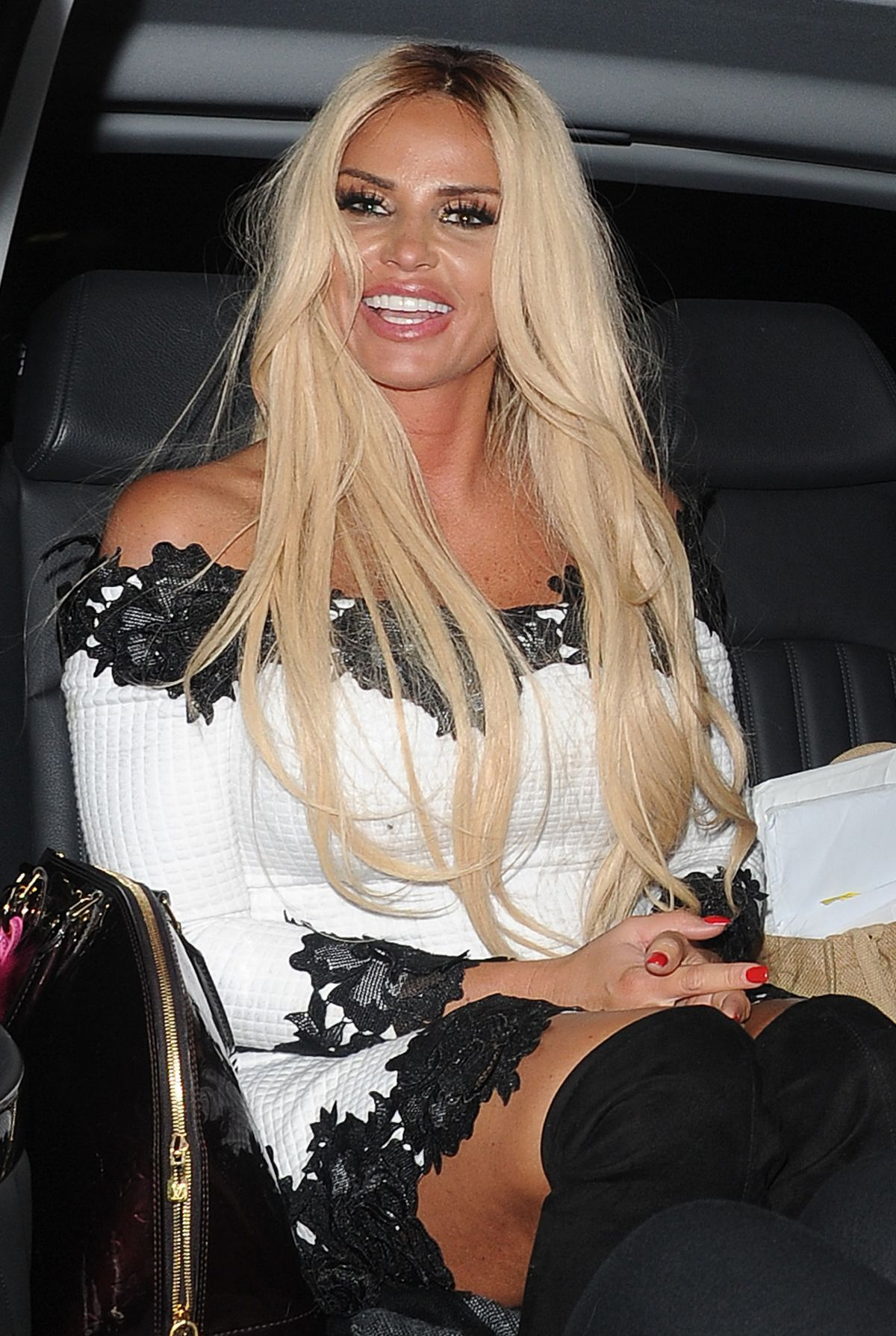 Katie Price Out for the evening in London   katie-price-out-for-the-evening-in-london_12