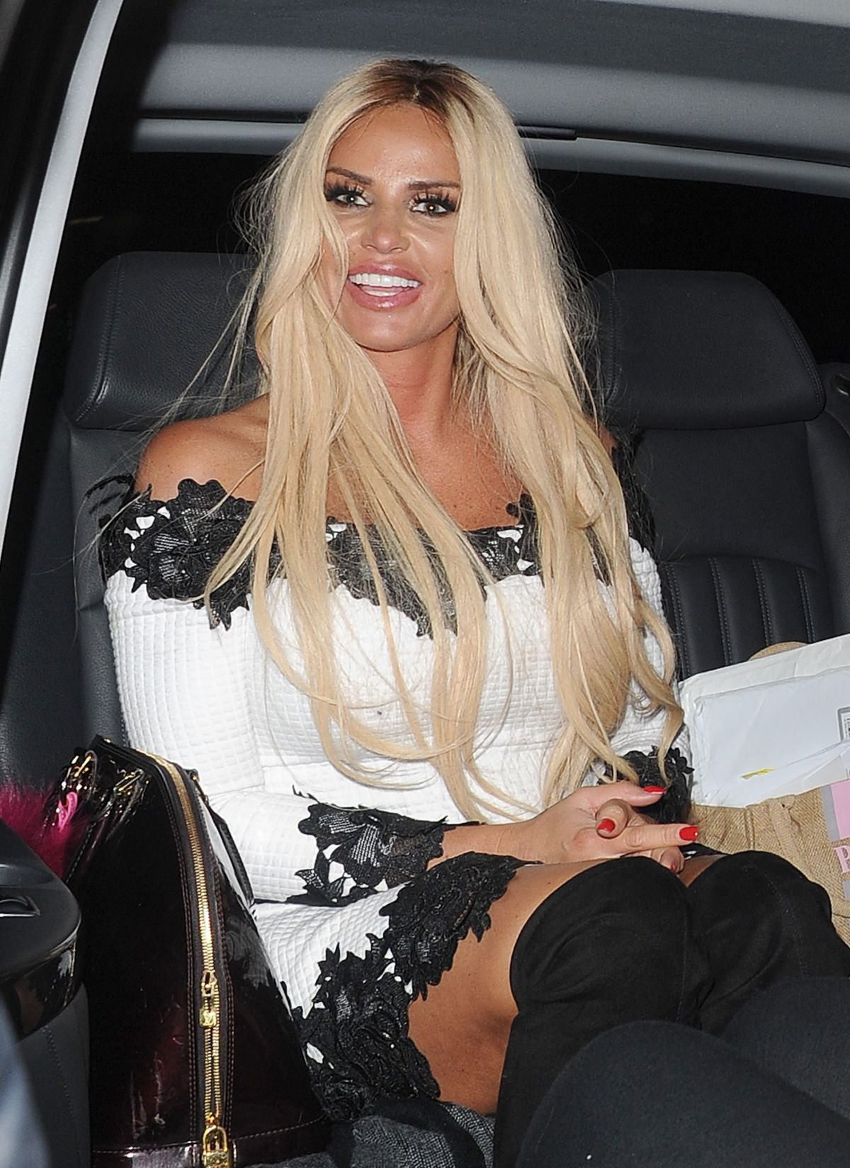 Katie Price Out for the evening in London   katie-price-out-for-the-evening-in-london_19