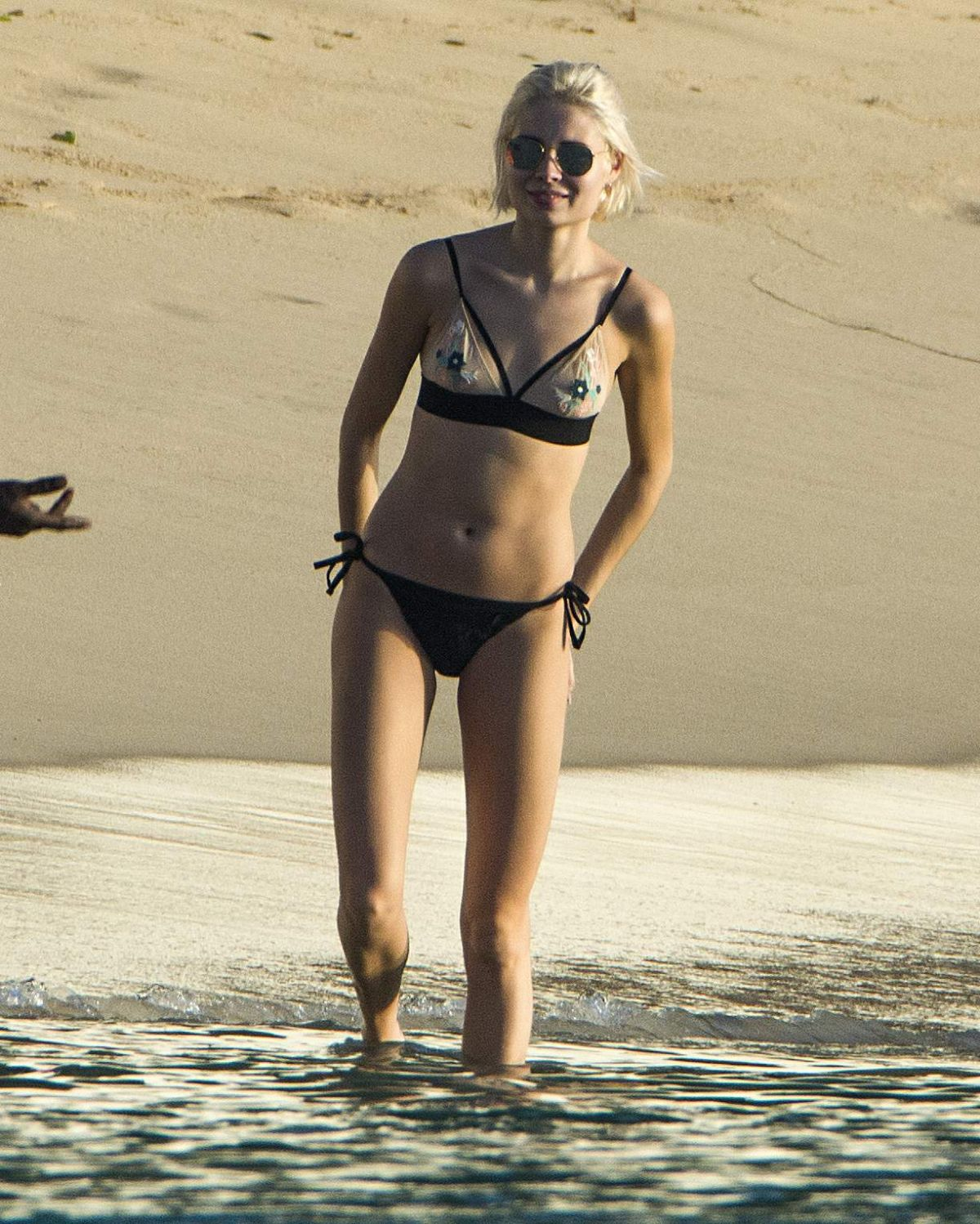 Nina Nesbitt On holiday in Barbados   nina-nesbitt-on-holiday-in-barbados-_2