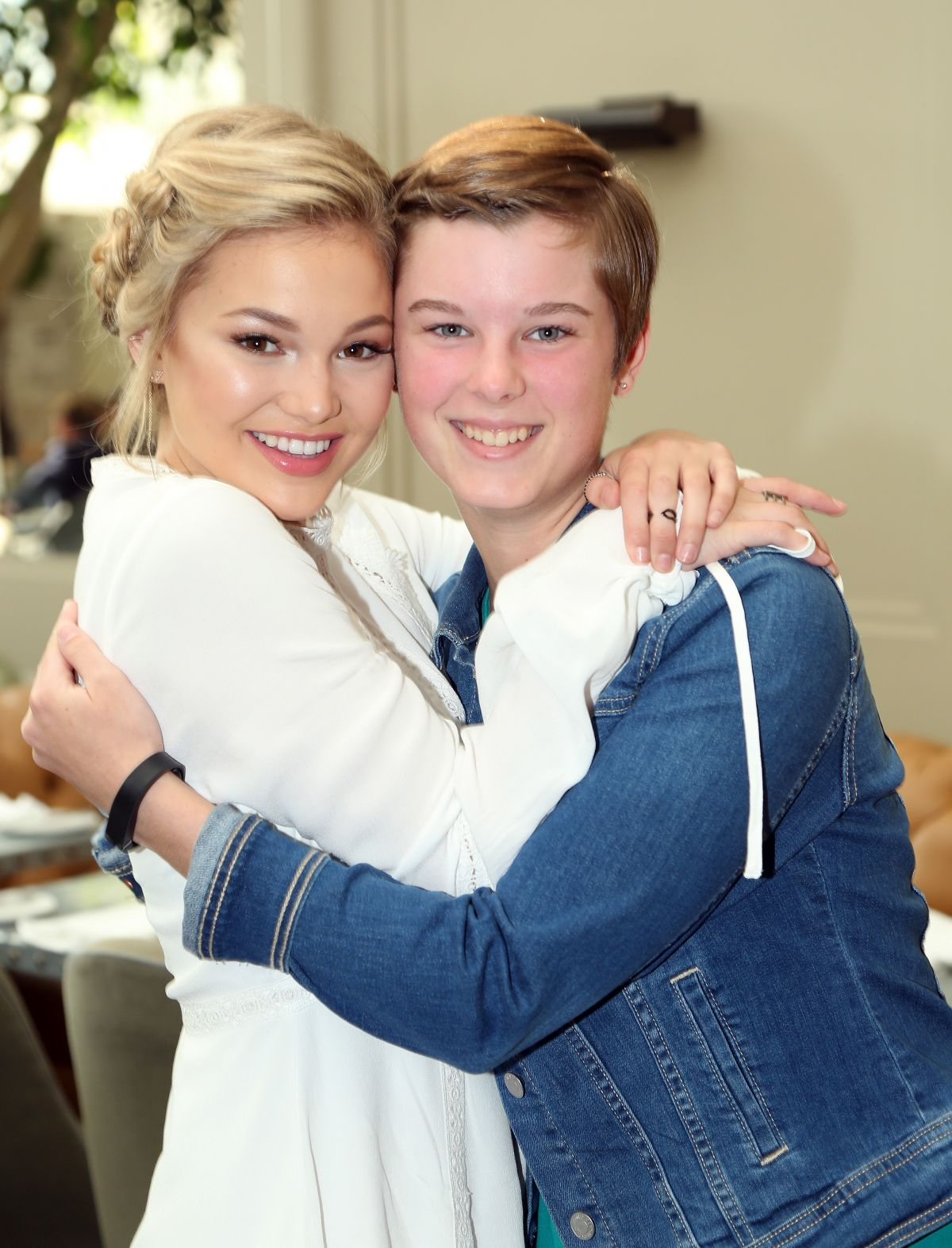 Olivia Holt At St. Jude Children's Research Hospital Luncheon in LA   olivia-holt-at-st.-jude-children-s-research-hospital-luncheon-in-la_6