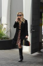 Reese Witherspoon Heads to a business meeting in Beverly Hills