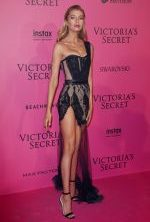 stella-maxwell-at-victoria-s-secret-aftershow-party_1_thumbnail