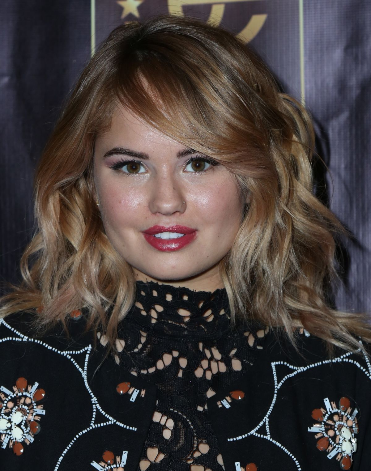 Debby Ryan At The Celebrity Experience Winter 2017 - Celebzz