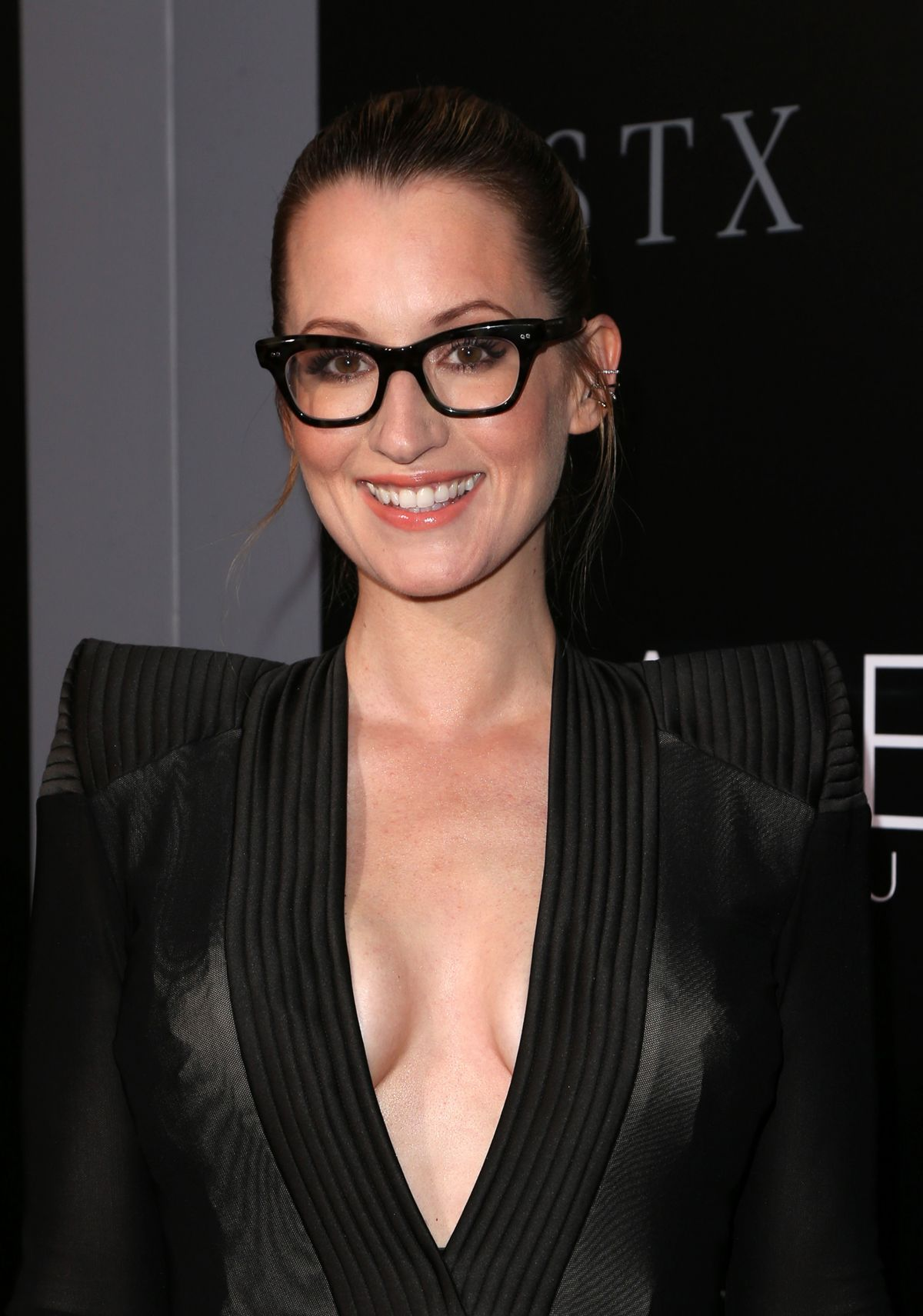 Ingrid Michaelson At 'The Space Between Us' Premiere in ... Jennifer Aniston