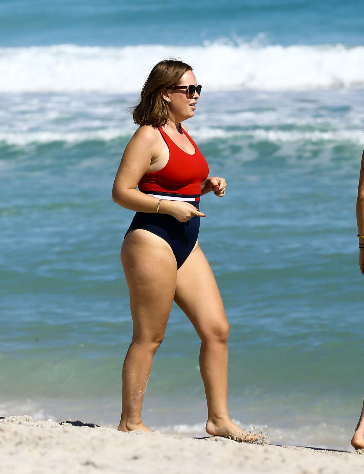 Tanya Burr Enjoys A Beach Day In Red Bathing Suit In Miami Celebs By Lianxio