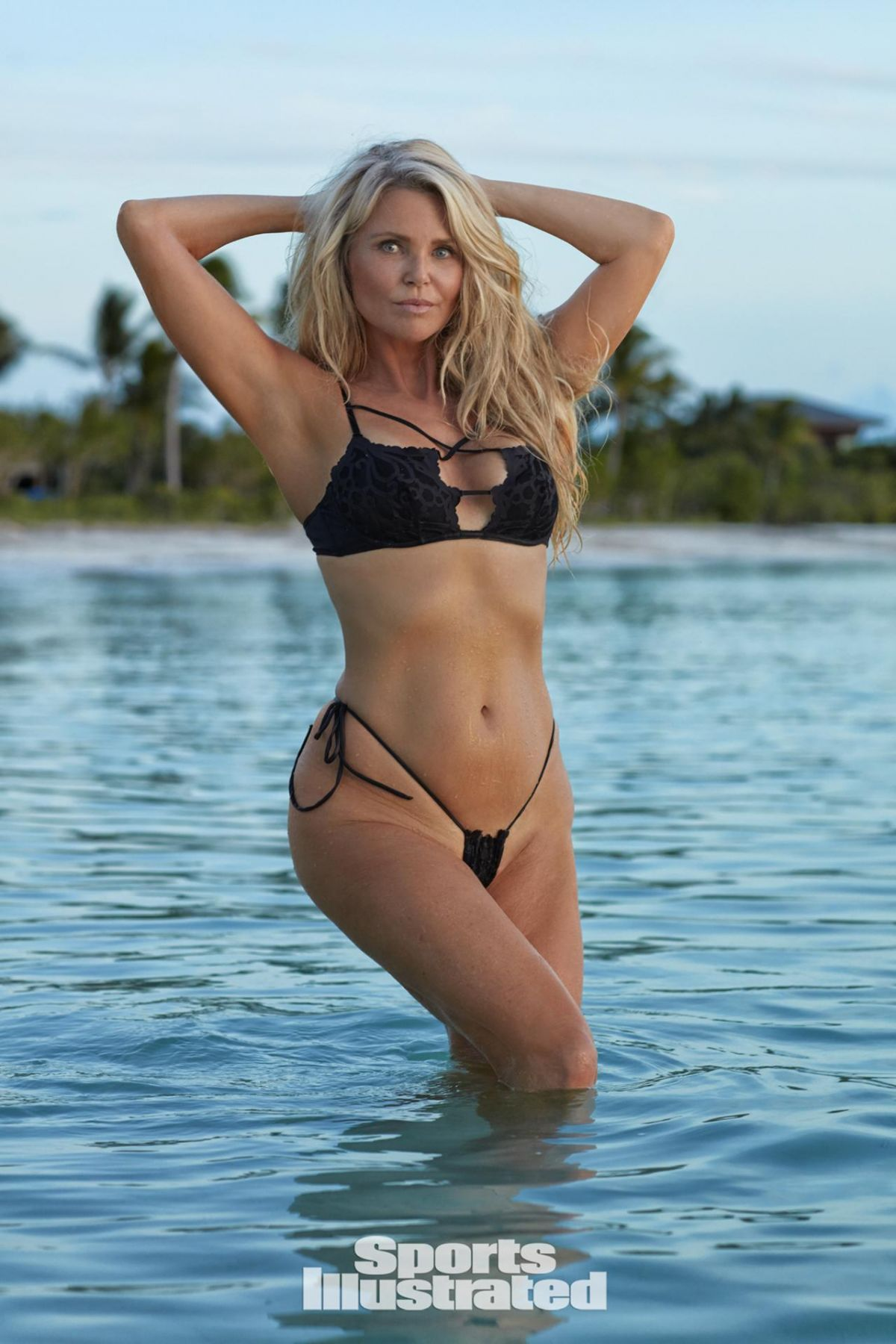 Christie Brinkley For Sports Illustrated Swimsuit Issue The Vogue Teams Best Dressed