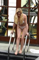 Heidi Montag Enjoys a pool day at her hotel in London