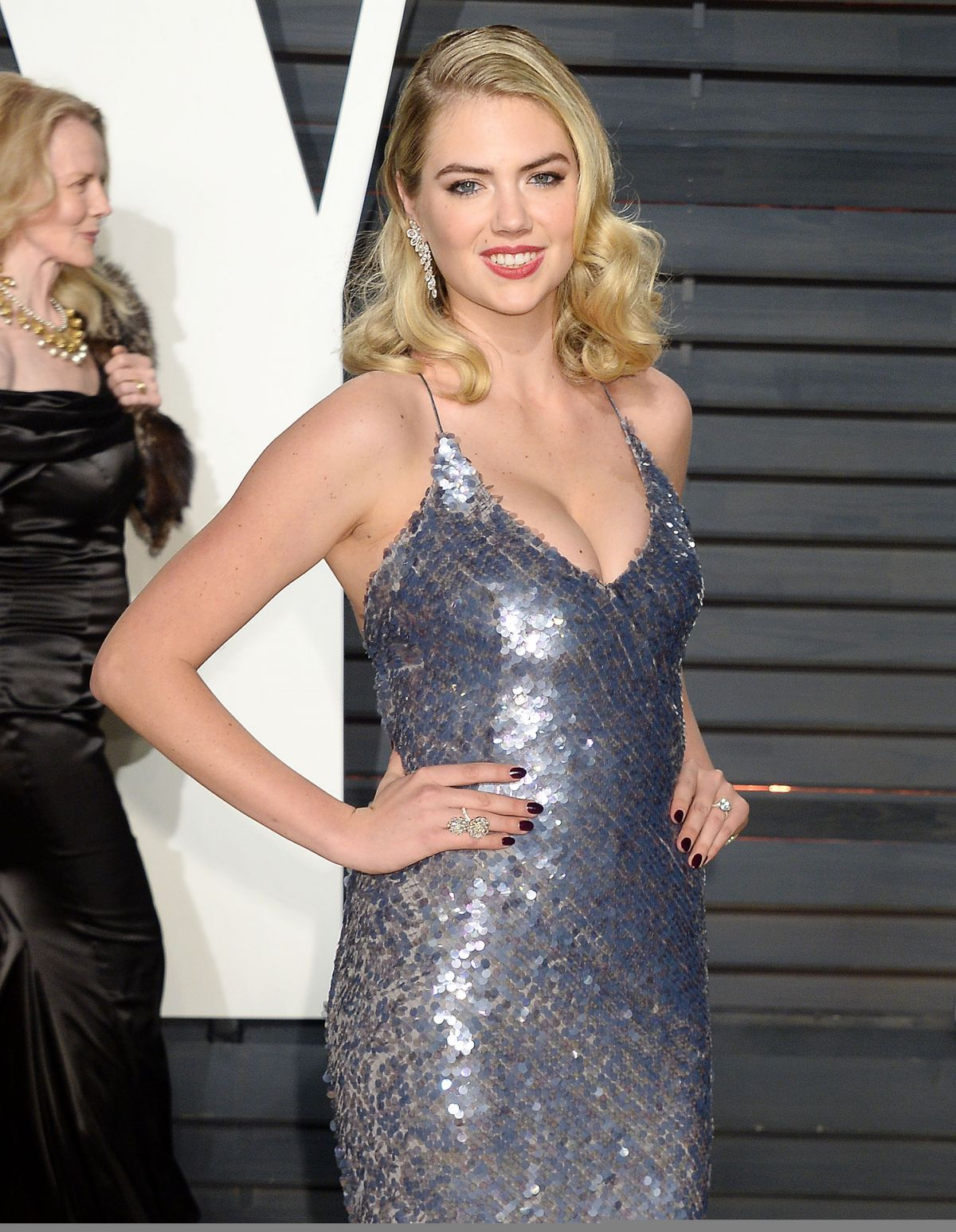 KATE UPTON at 2018 Vanity Fair Oscar Party in Beverly