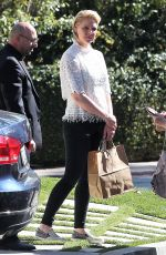 Katherine Heigl Shopping in Los Feliz