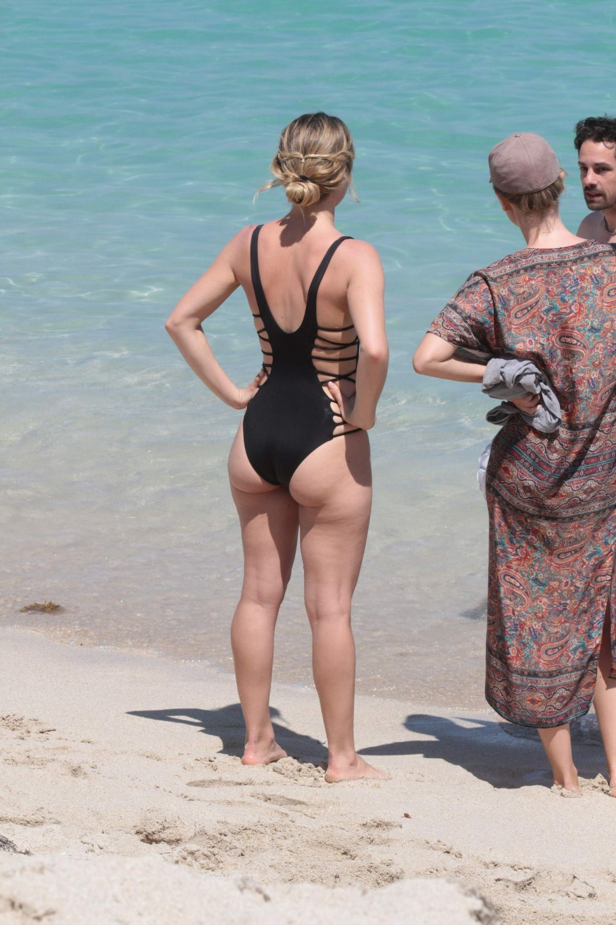 Nude beach photos pictures clips — photo 11
