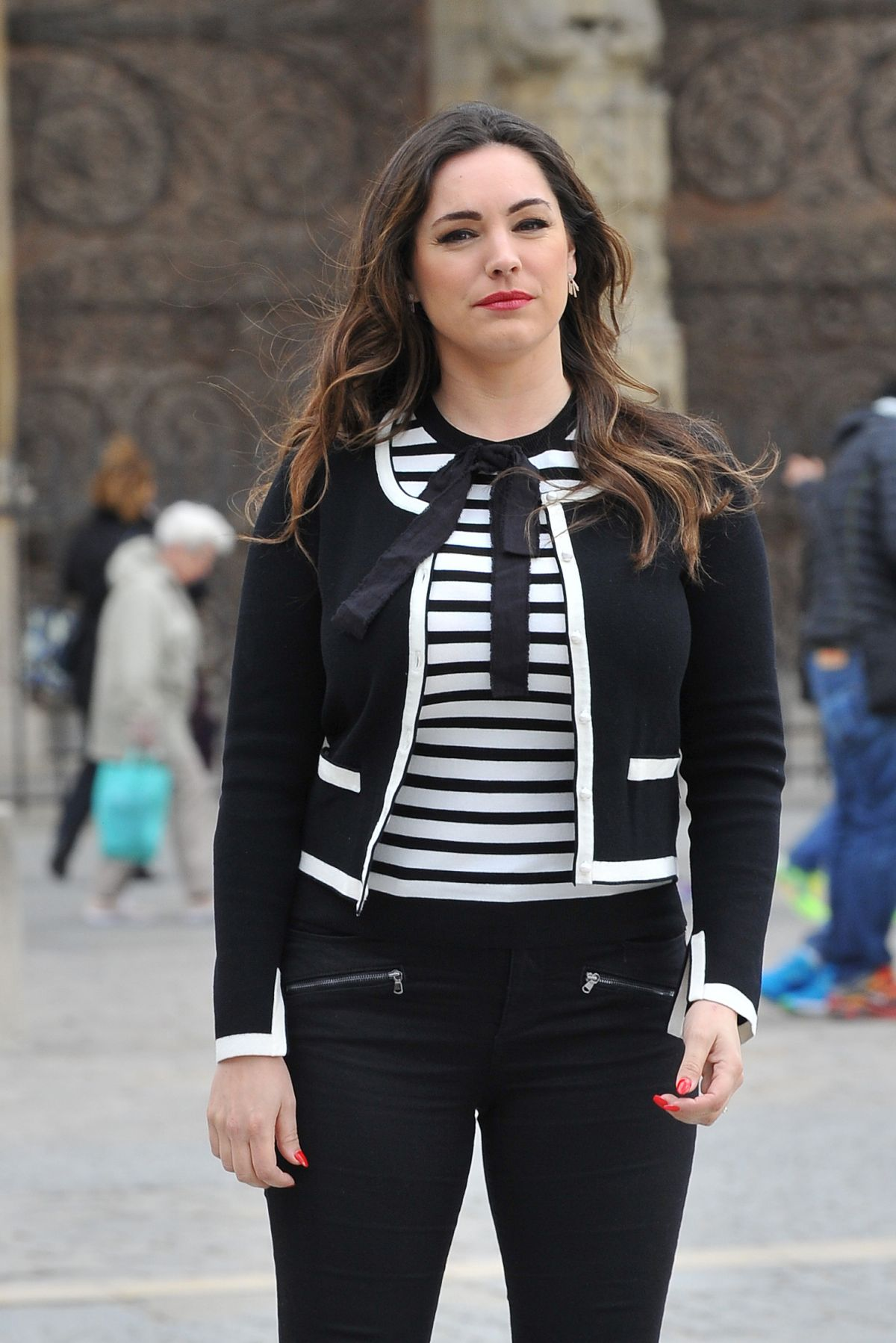 kelly brook spotted with a film crew on the streets of paris