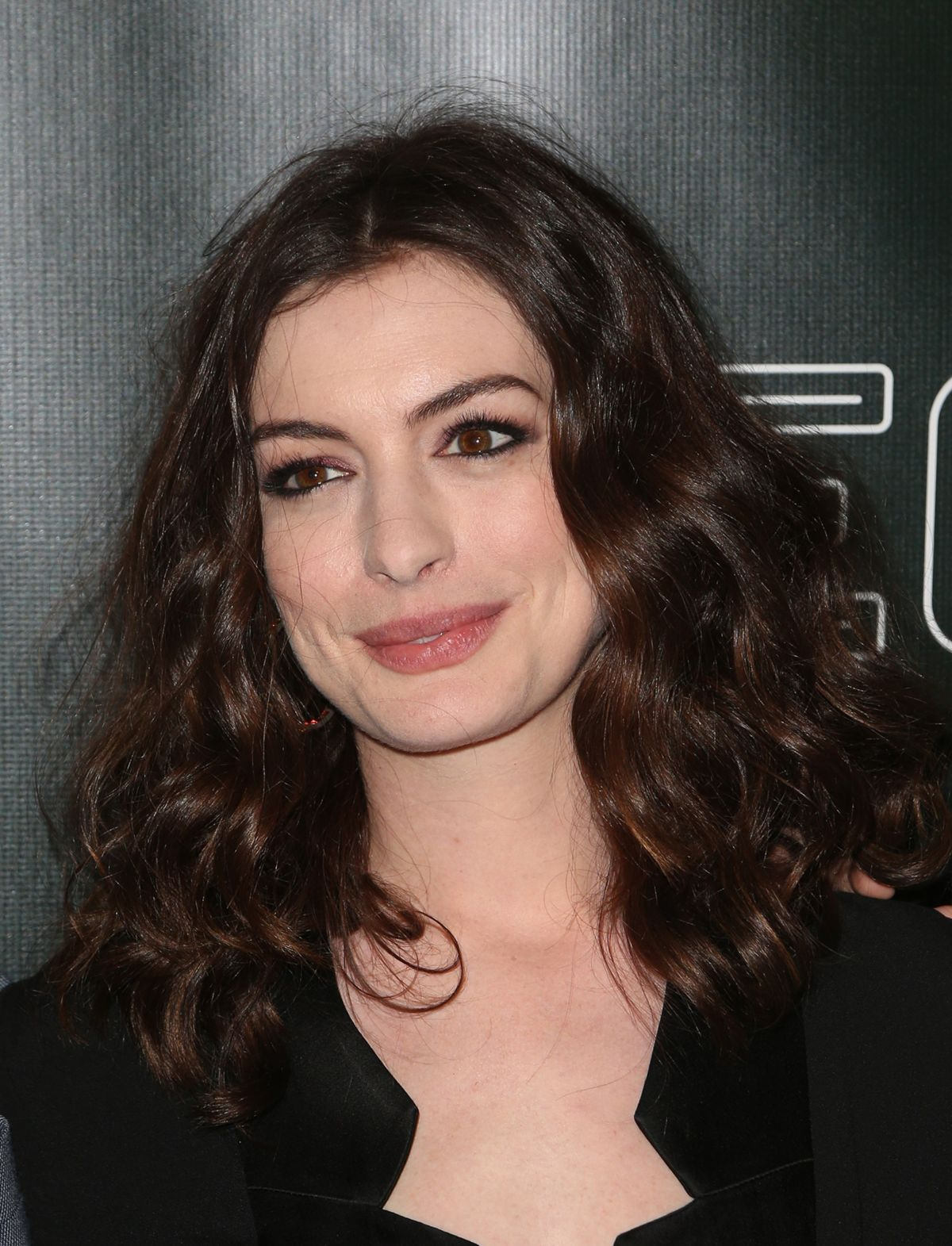 Anne Hathaway At 'Colossal' Premiere at the Vista Theatre ... Anne Hathaway
