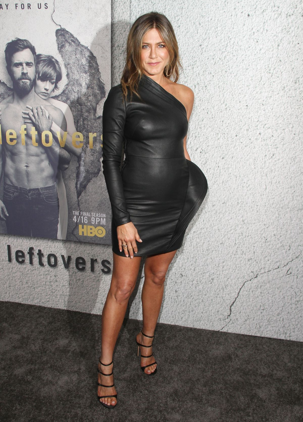 jennifer-aniston-at-the-premiere-of-hbo-
