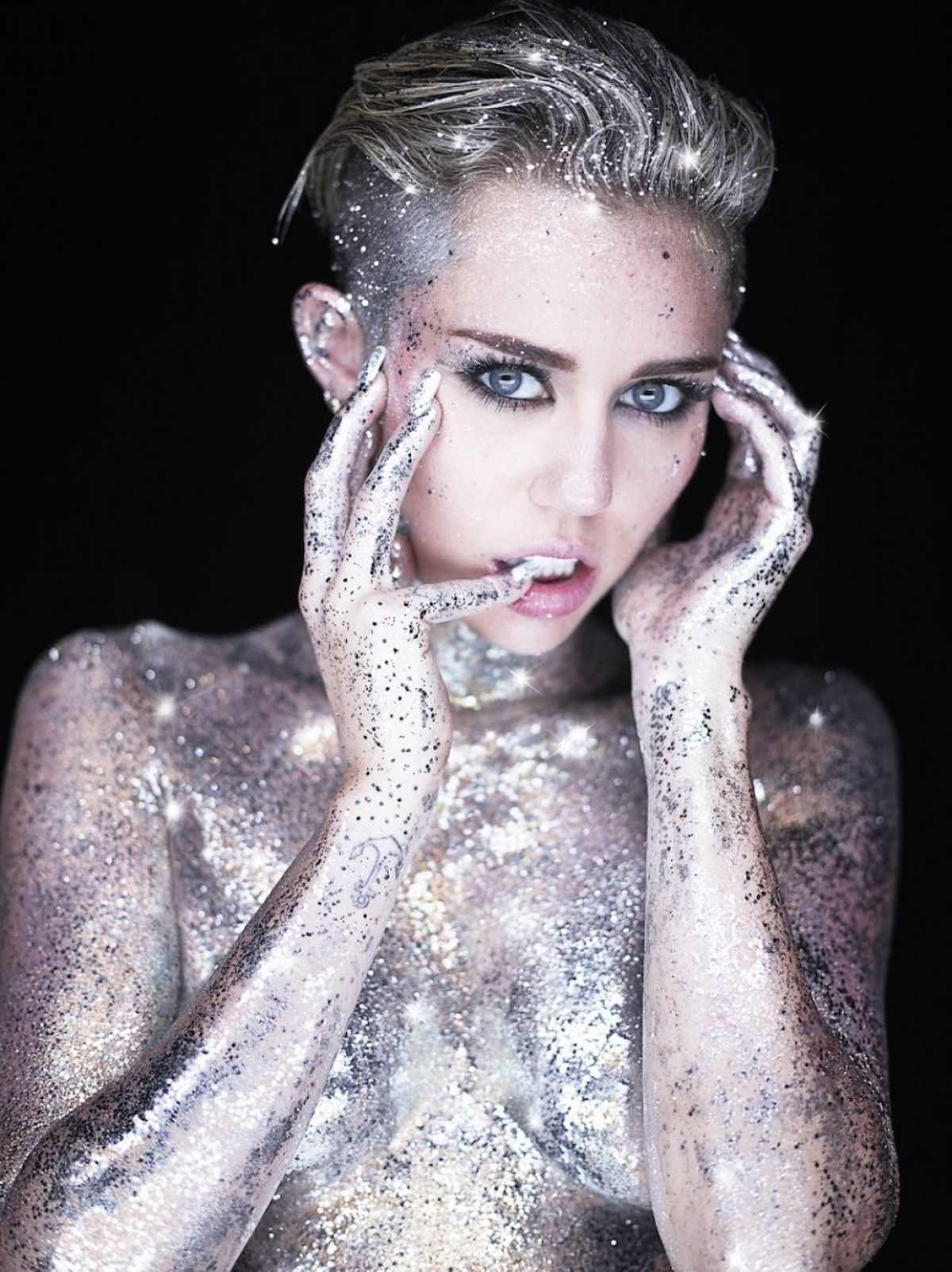 "Miley Cyrus At ""Real and True"" Photoshoot   miley-cyrus-at-real-and-true-photoshoot-_3"