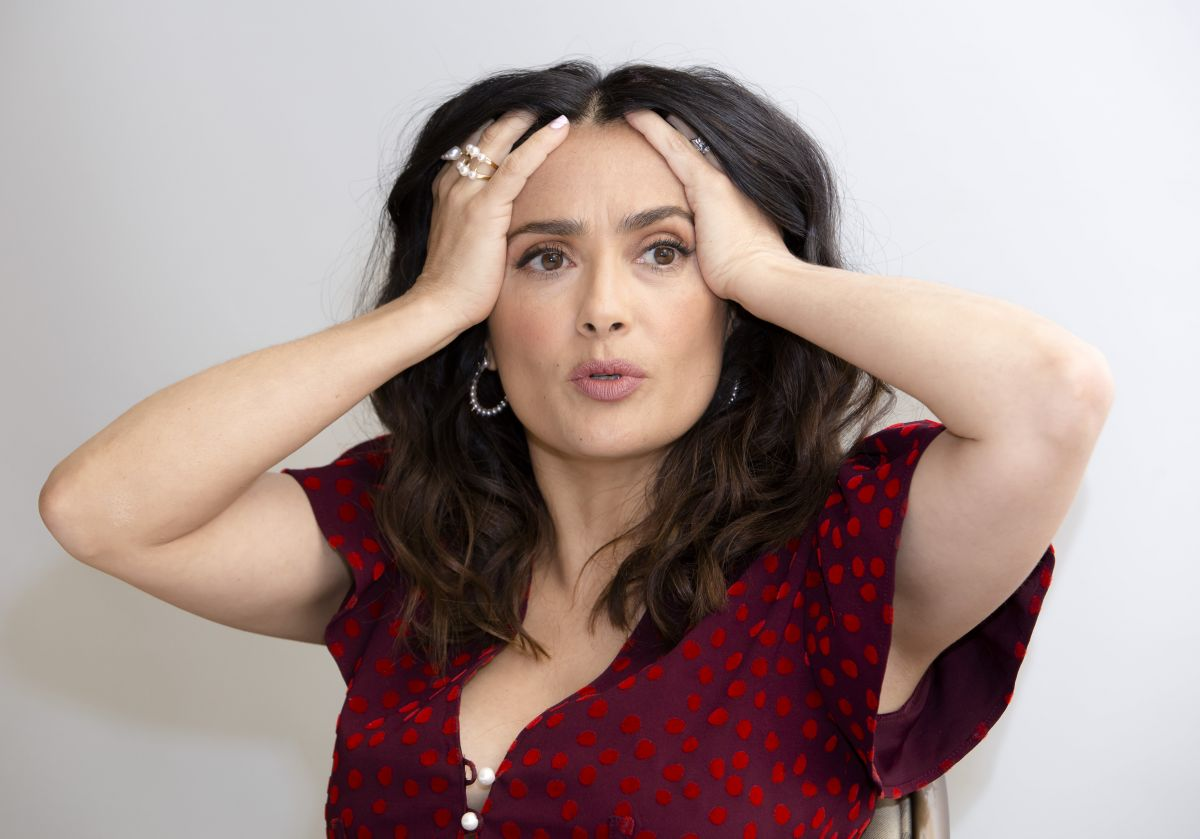 Image Gallery Of Salma Hayek At How To Be A Latin Lover Press Conference  Portraits In