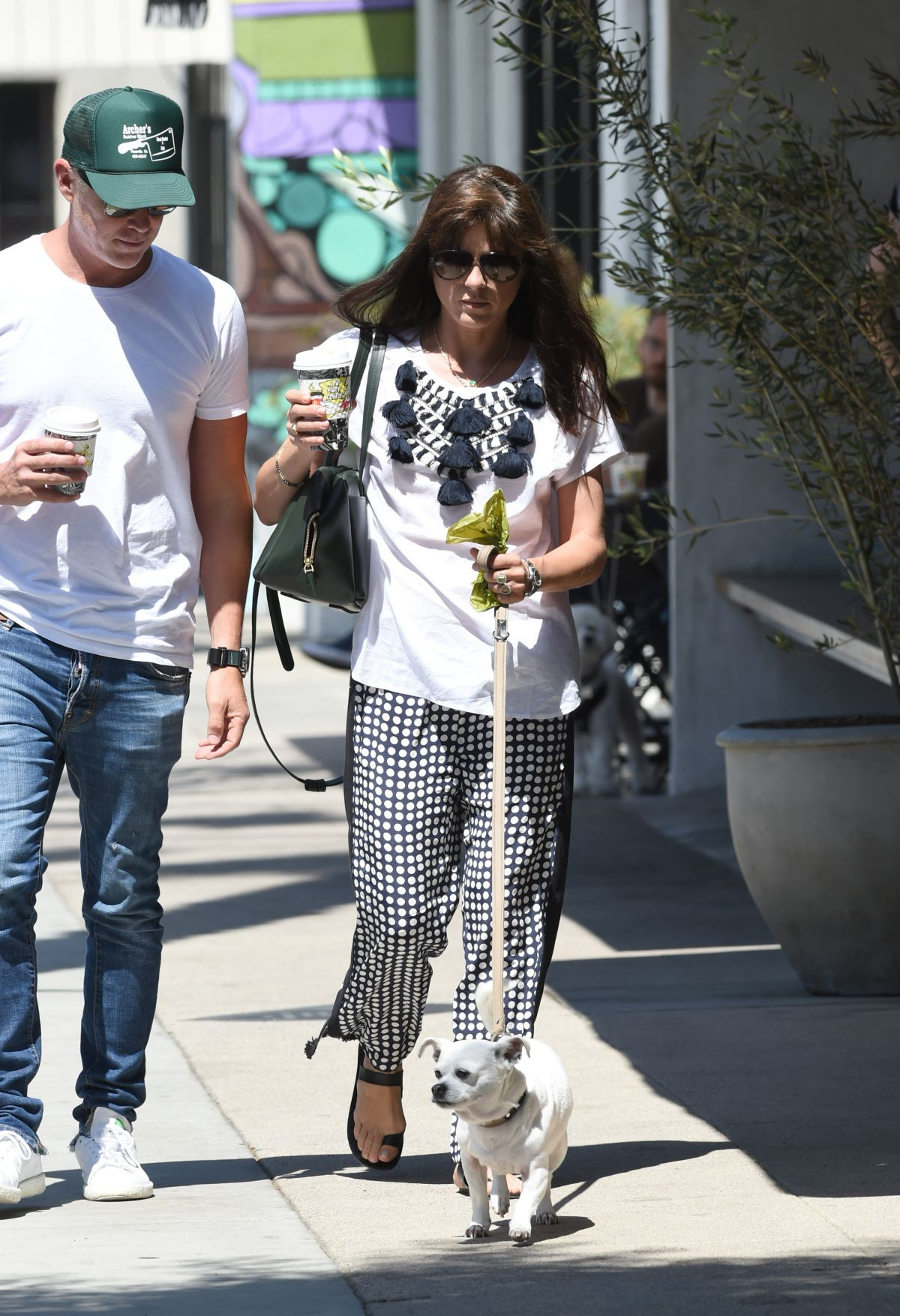 Selma Blair Out with her dog in LA   selma-blair-out-with-her-dog-in-la-_2