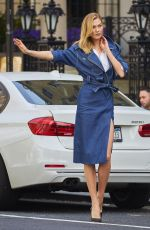 Karlie Kloss Hails a Cab Out in New York