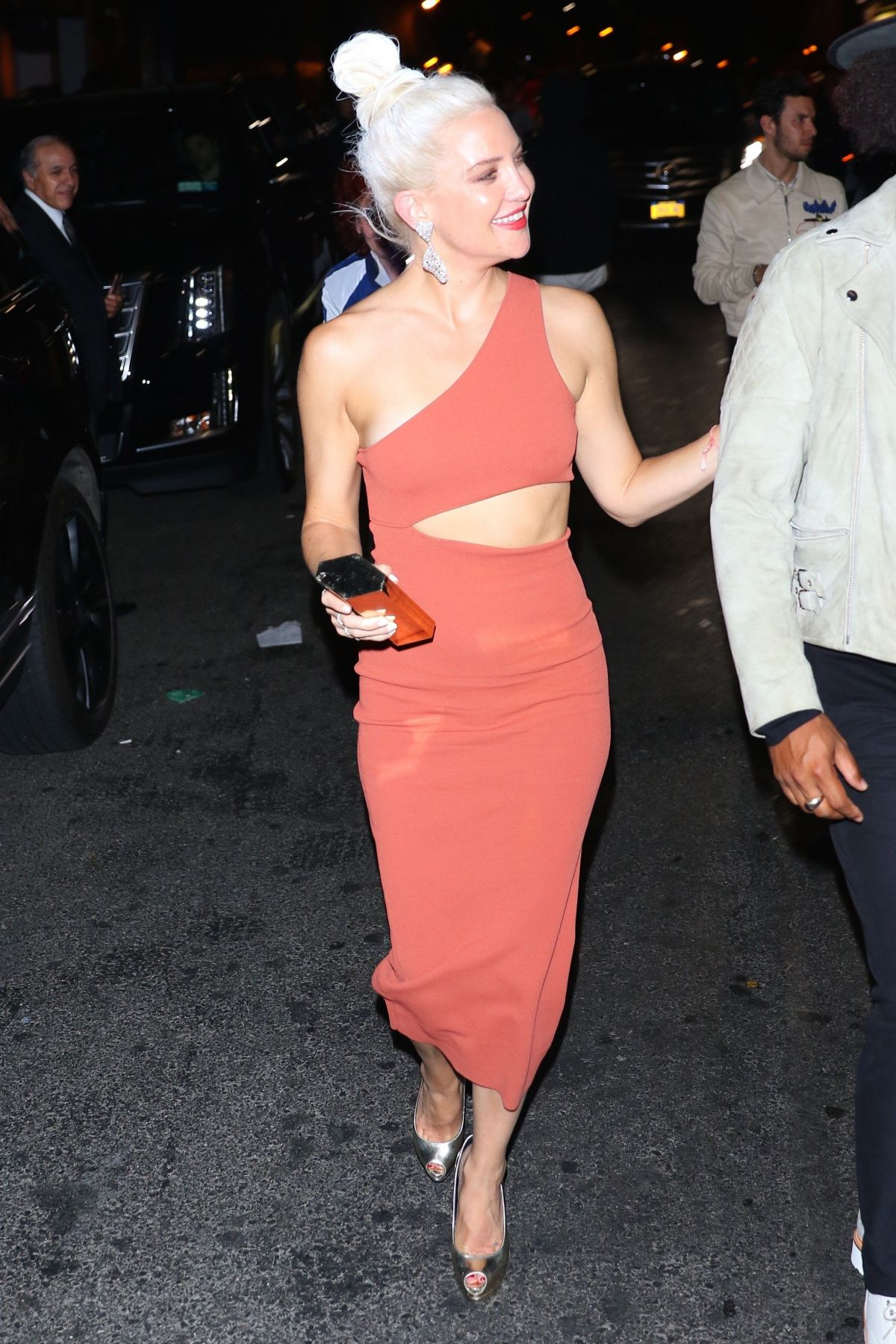 Kate Hudson At the 1Oak Nightclub for Met Gala After Party in New York City   kate-hudson-at-the-1oak-nightclub-for-met-gala-after-party-in-new-york-city-_5