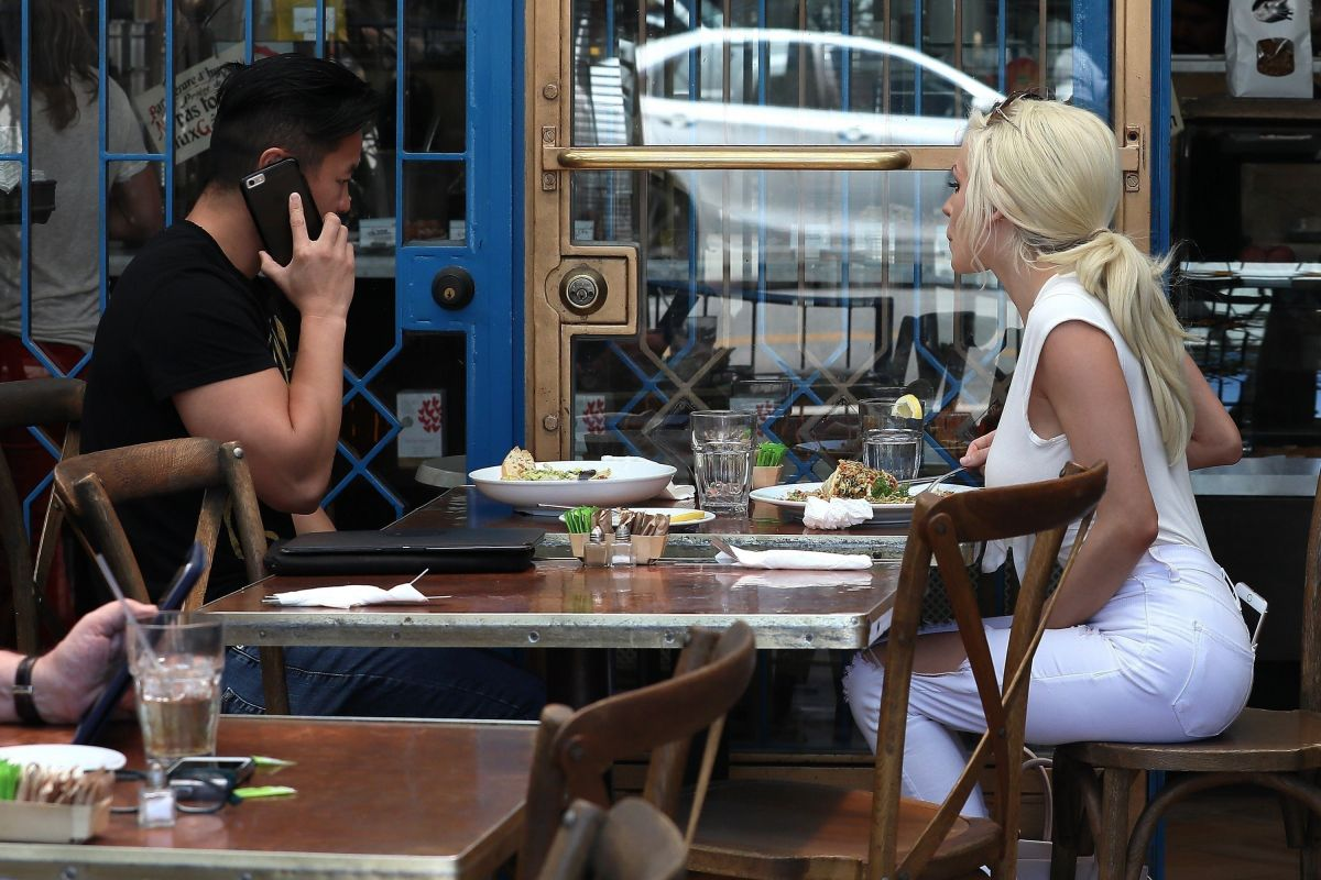Courtney Stodden Seen on a lunch date at the little next