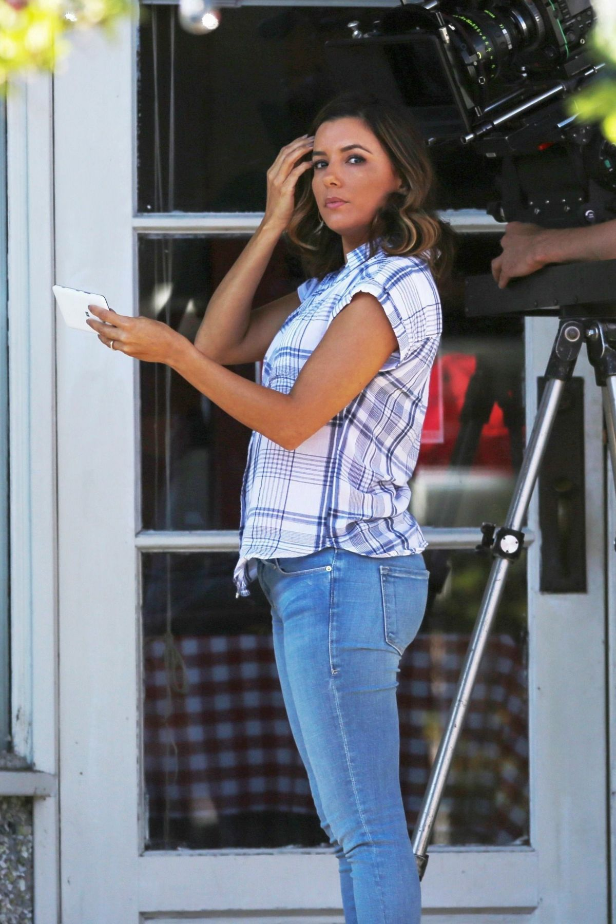 Eva longoria on the set of overboard in vancouver