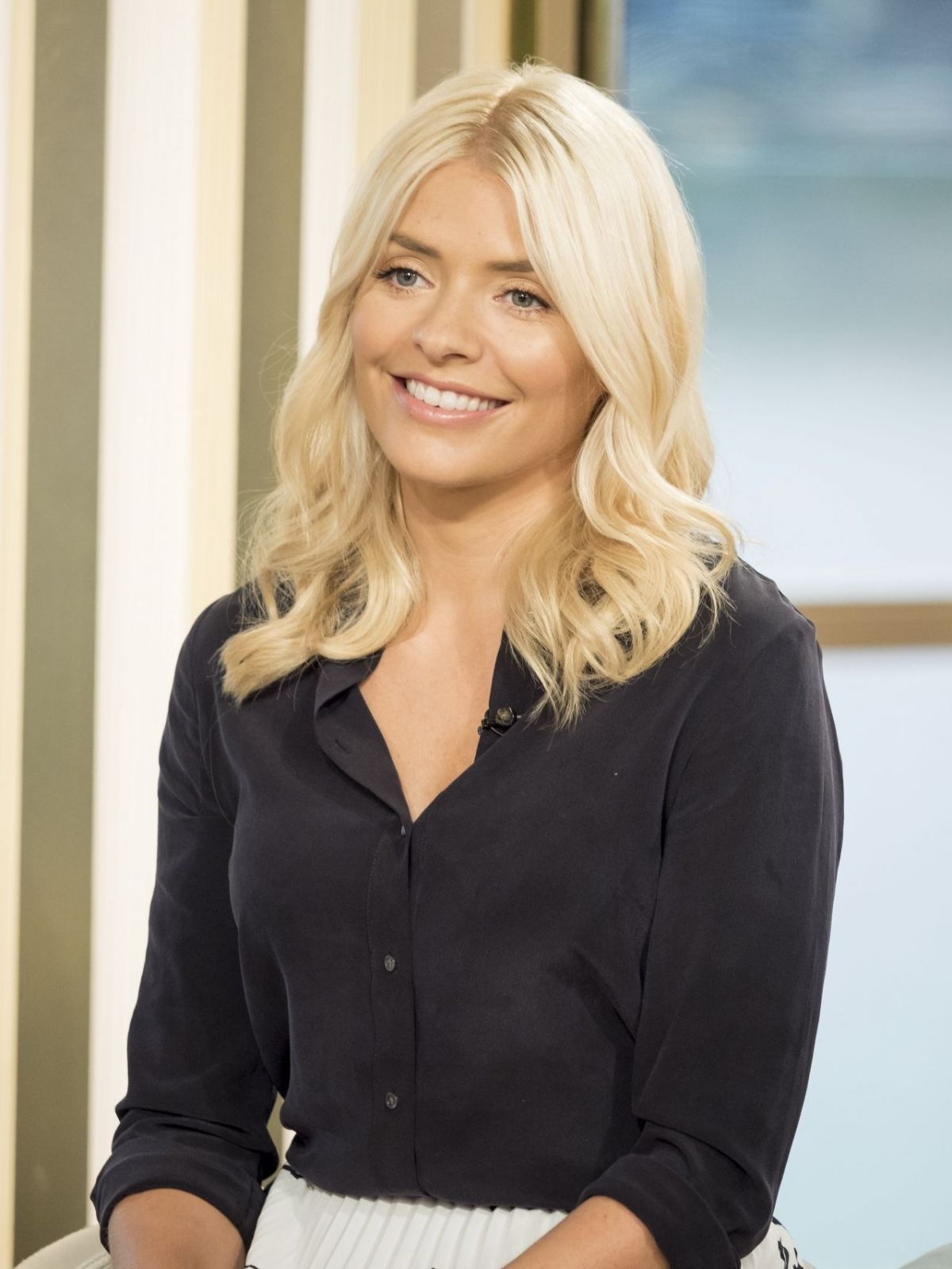 holly willoughby - photo #2
