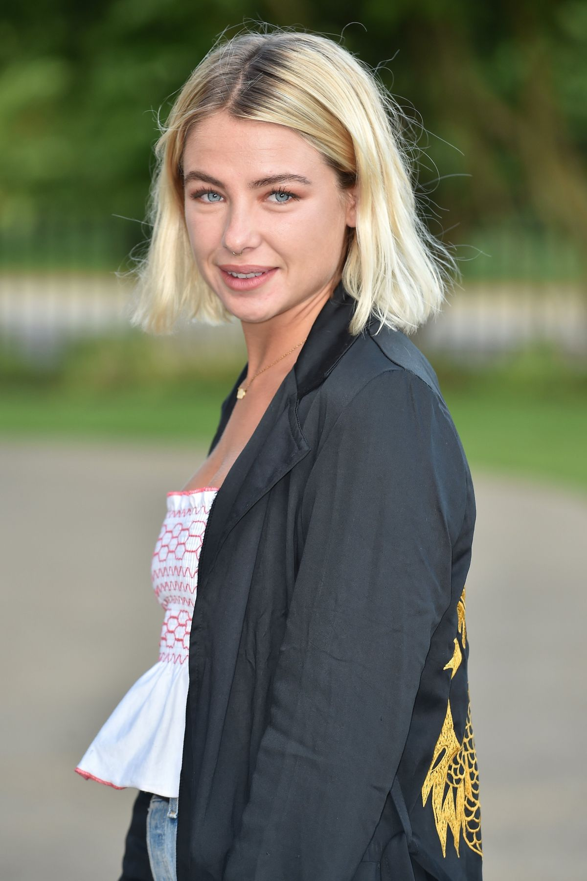 jess woodley - seen attending the liketoknowit app launch party at the the magazine restaurant in hyde park, london - june 15, 2017 - fórum - starity.hu