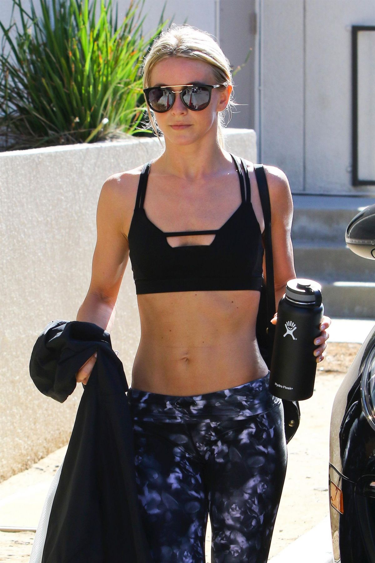 Discussion on this topic: Nude photos of Tallulah Willis, julianne-hough-in-workout-gear-studio-city/