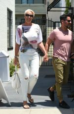 Bridgitte Nielson Goes for lunch with her husband in LA