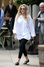 Ellie Goulding Out And About in London