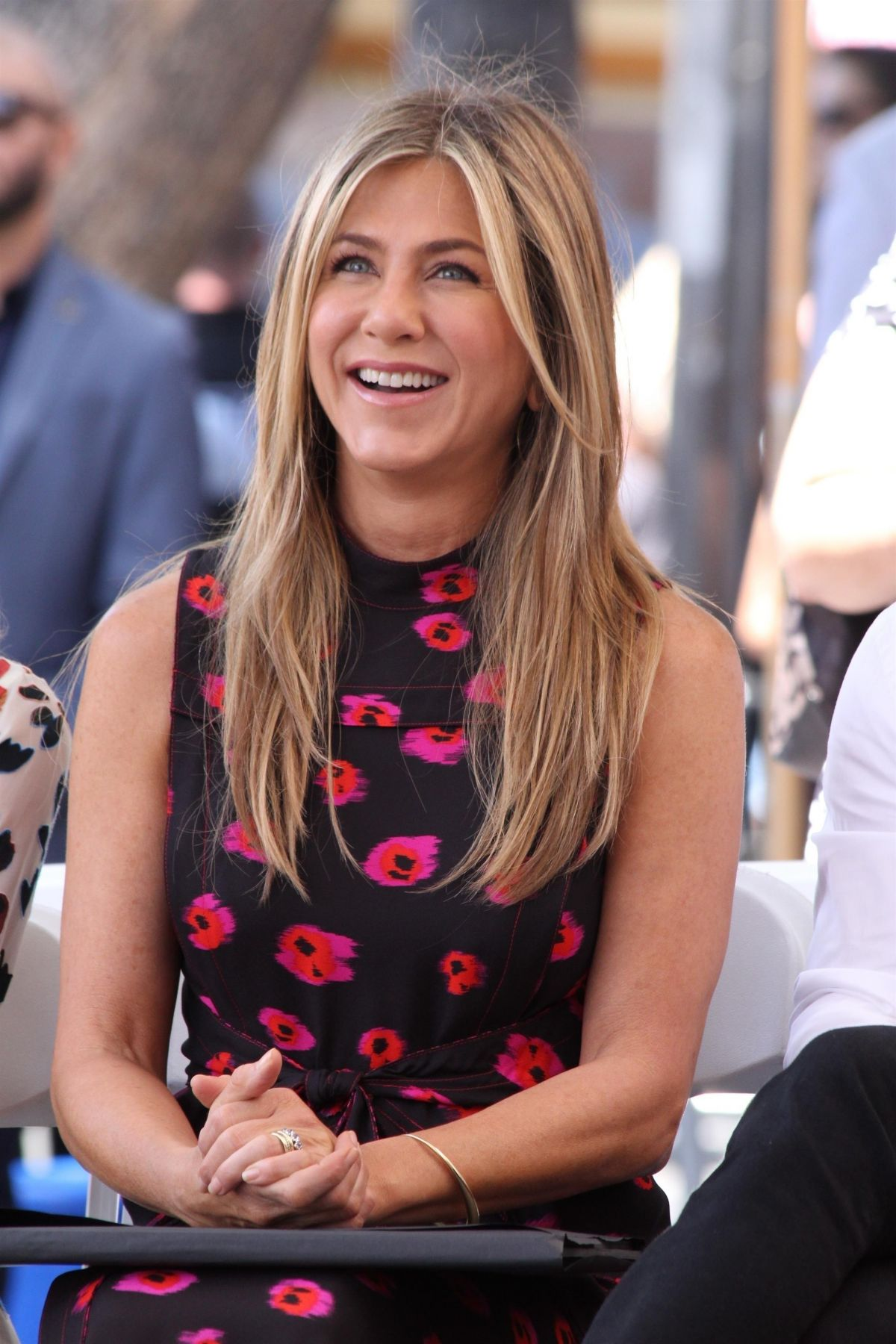 Jennifer Aniston At Jason Bateman's Hollywood Star Ceremony in Hollywood   jennifer-aniston-at-jason-bateman-s-hollywood-star-ceremony-in-hollywood_11