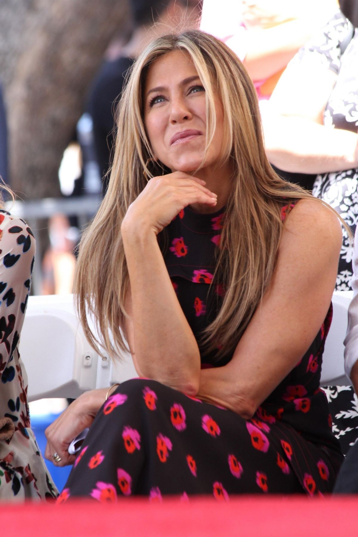 Jennifer Aniston At Jason Bateman's Hollywood Star Ceremony in Hollywood   jennifer-aniston-at-jason-bateman-s-hollywood-star-ceremony-in-hollywood_4