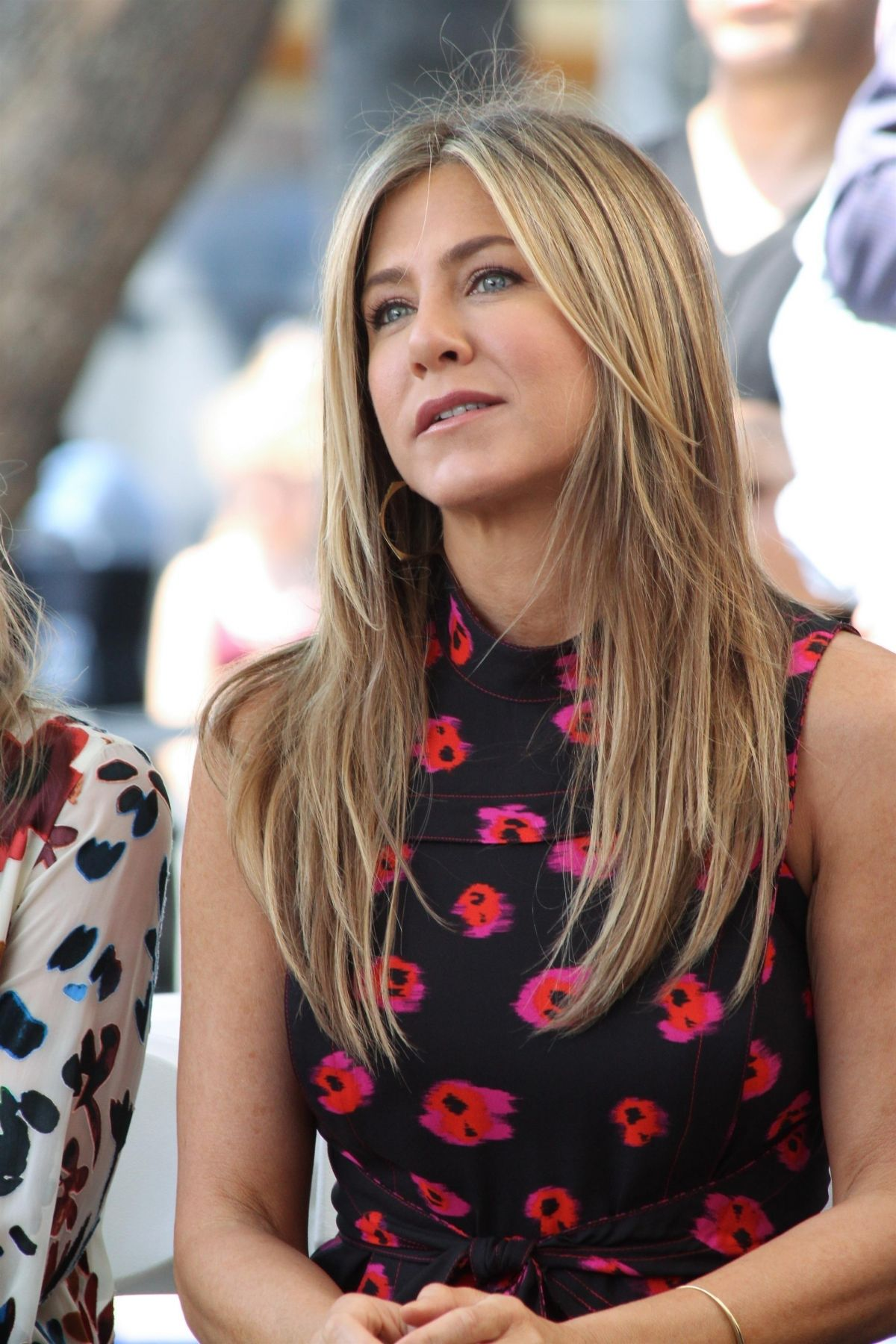 Jennifer Aniston At Jason Bateman's Hollywood Star Ceremony in Hollywood   jennifer-aniston-at-jason-bateman-s-hollywood-star-ceremony-in-hollywood_5