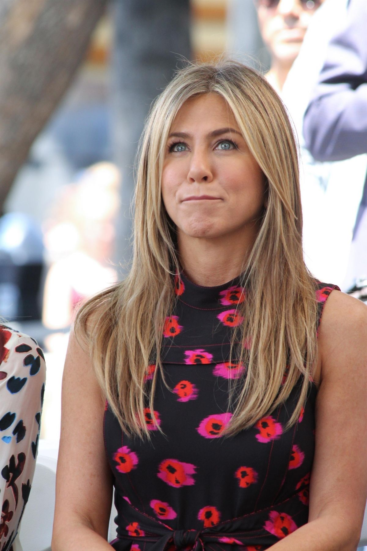 Jennifer Aniston At Jason Bateman's Hollywood Star Ceremony in Hollywood   jennifer-aniston-at-jason-bateman-s-hollywood-star-ceremony-in-hollywood_8