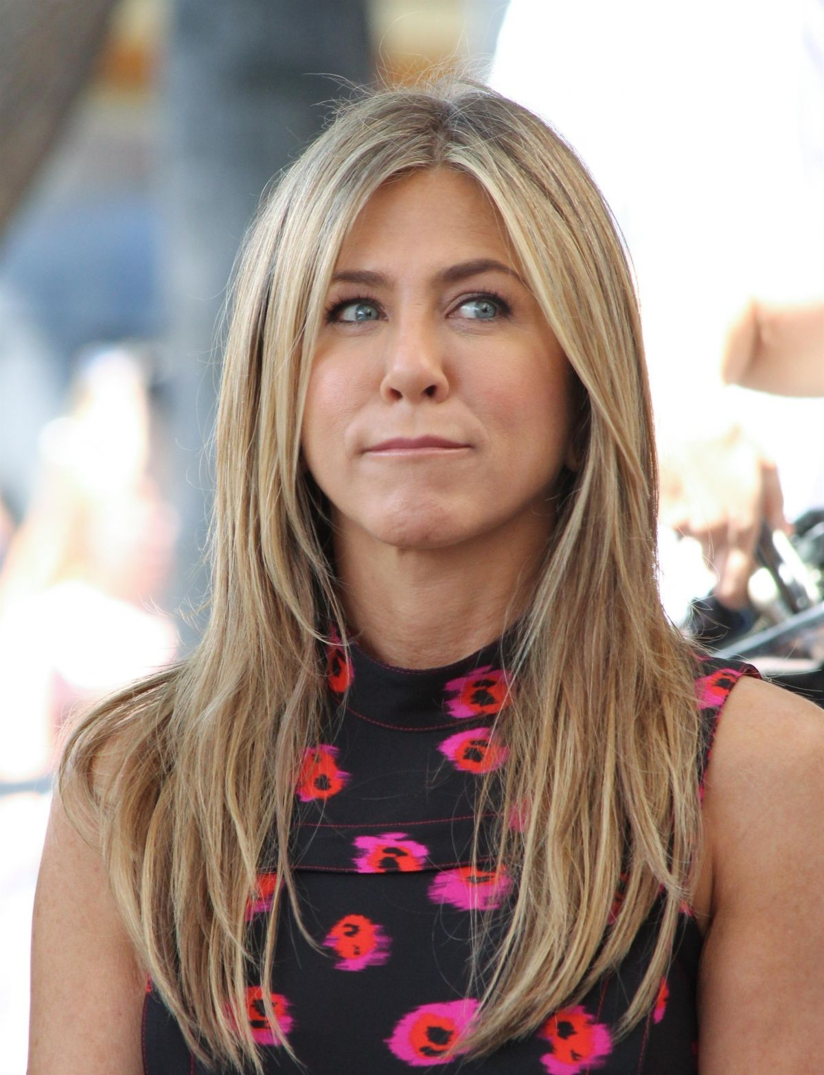 Jennifer Aniston At Jason Bateman's Hollywood Star Ceremony in Hollywood   jennifer-aniston-at-jason-bateman-s-hollywood-star-ceremony-in-hollywood_9