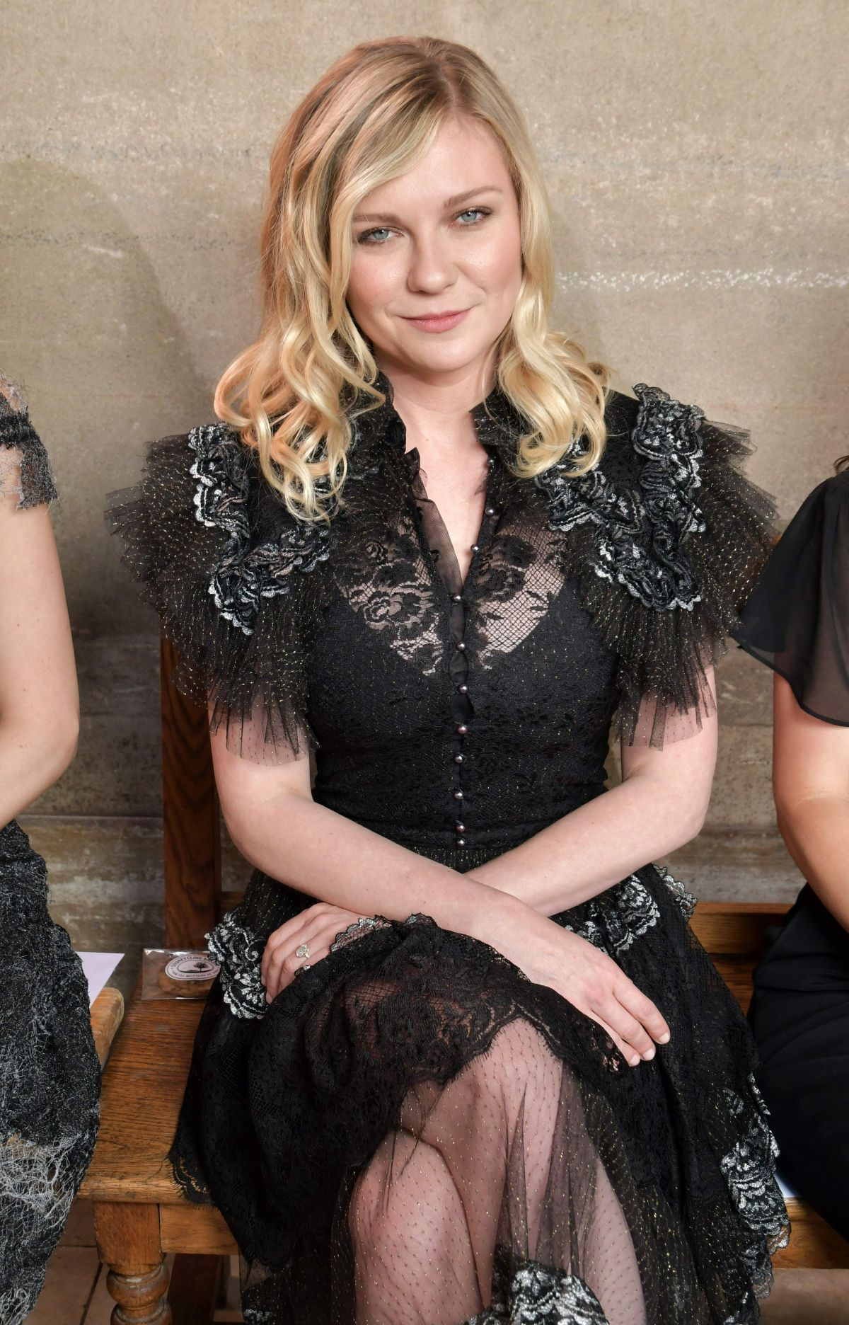 Kirsten Dunst At Rodarte show, Fall Winter 2017, Haute ...
