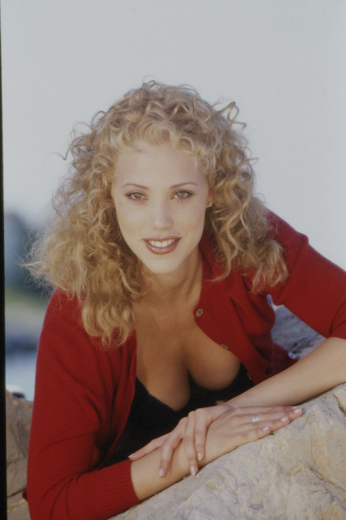 Elizabeth berkley at eric robert photoshoot 1995 celebzz elizabeth berkley at eric robert photoshoot 1995 voltagebd Image collections