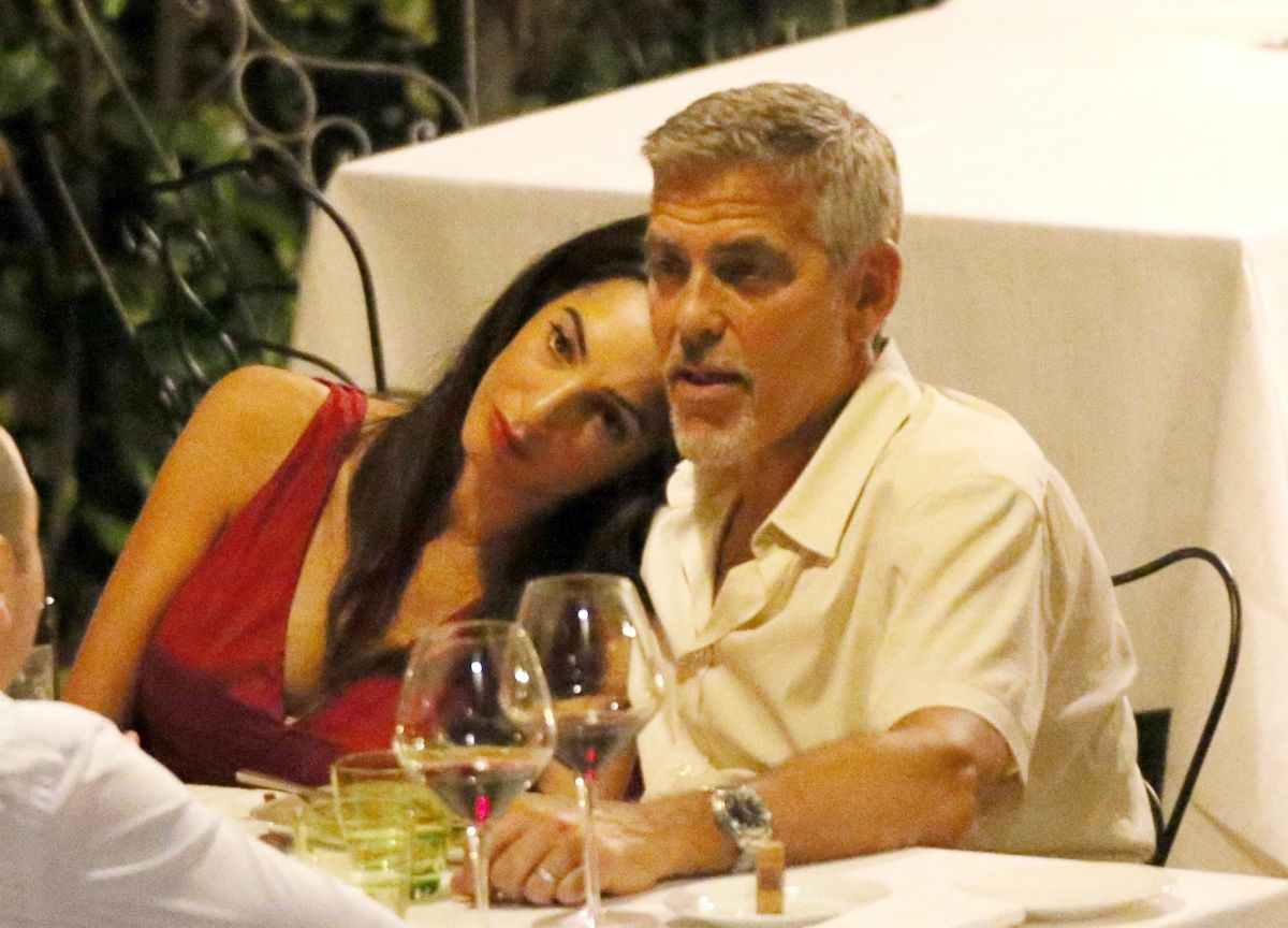 Watch Amal clooney and george clooney candlelight dinner at le darsene in bellagio italy video