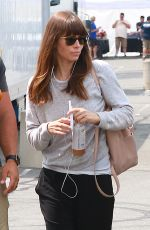 Jessica Biel On set of