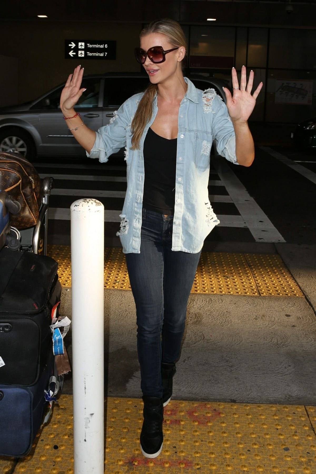 Joanna Krupa At LAX International Airport, Los Angeles   joanna-krupa-at-lax-international-airport-los-angeles_11